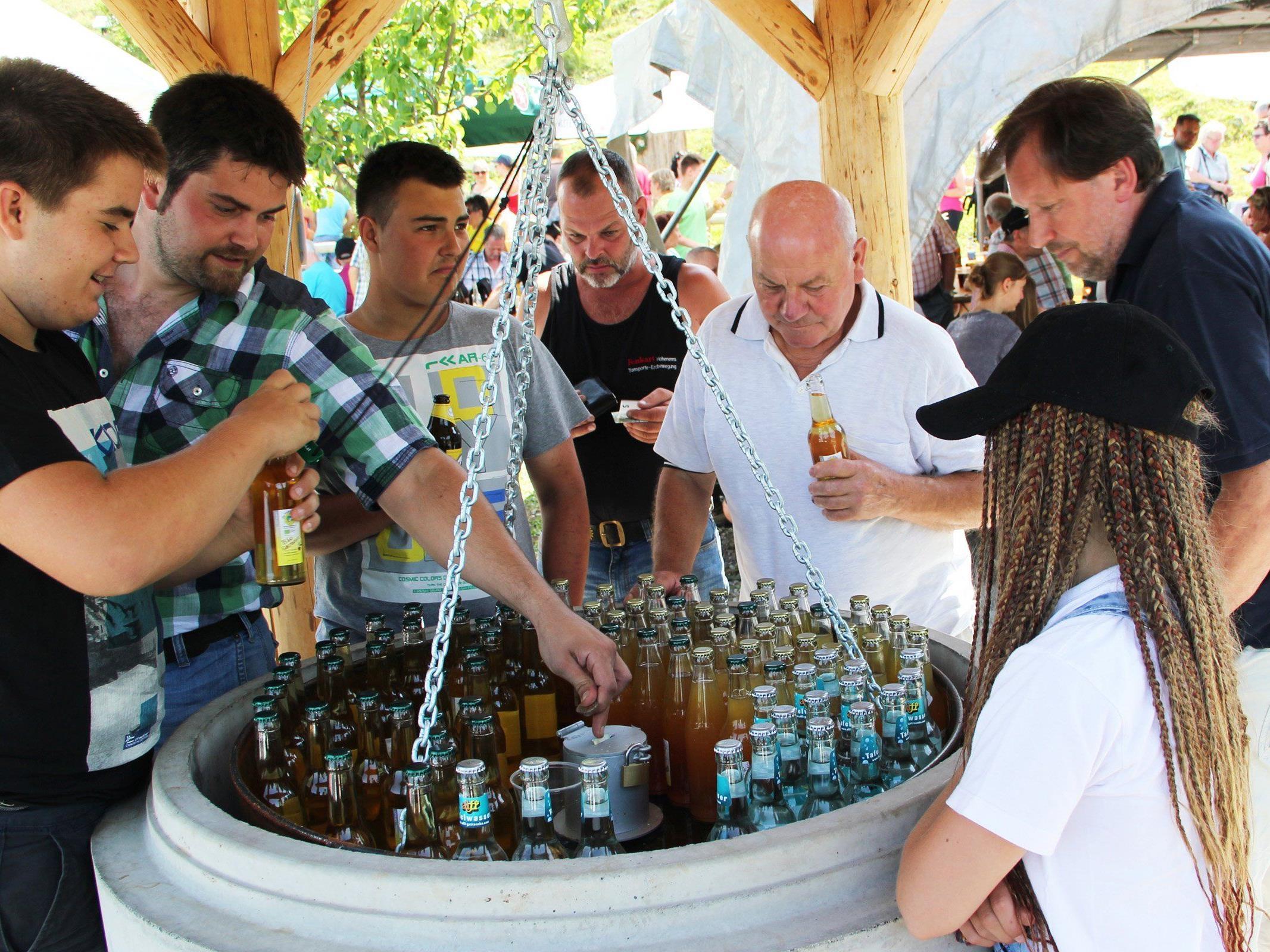 Der Mostbrunnen wurde feierlich eröffnet.