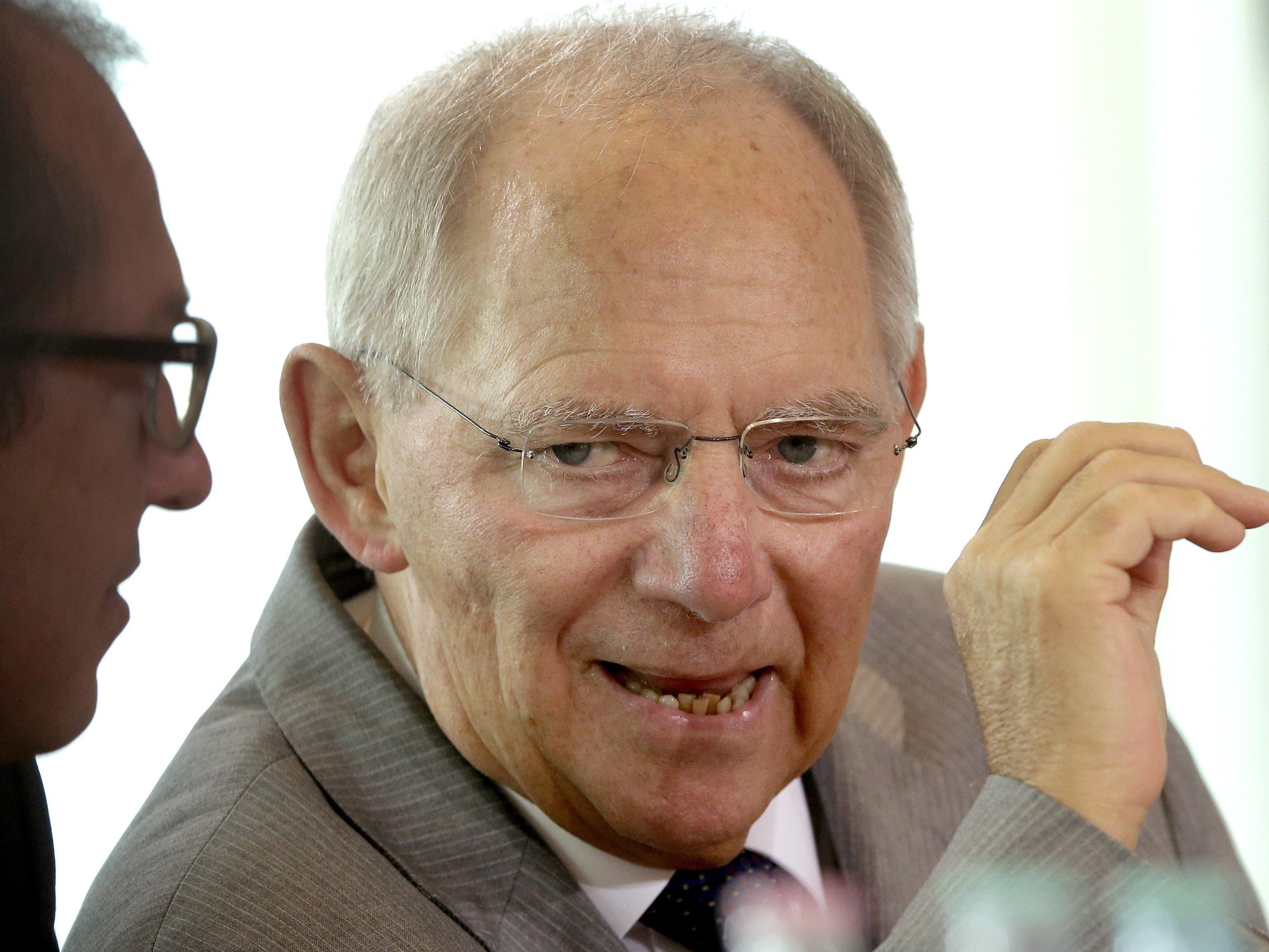 """Auch wenn die Griechen """"Ja"""" zu den Reformen sagen - Wolfgang Schäuble lässt nicht locker."""