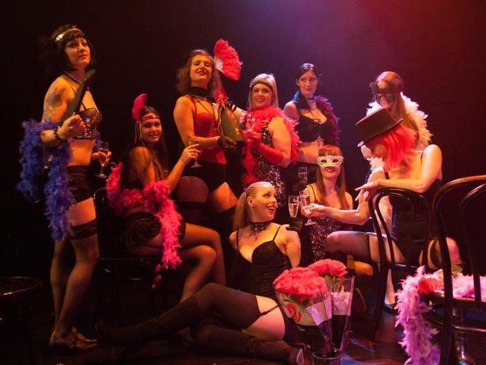 Mit Broadway pu und aktueller denn je begeht die West Austrian Musical Company ihren runden Geburtstag.