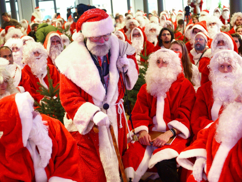 Weihnachtsmänner handeln Datum für Heiligabend aus