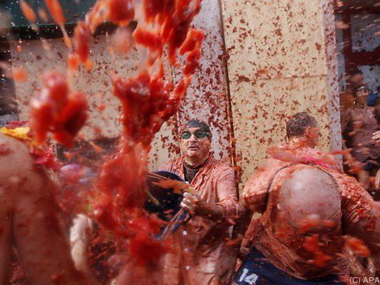 22.000 Spanier und Touristen bewarfen sich mit Tomaten