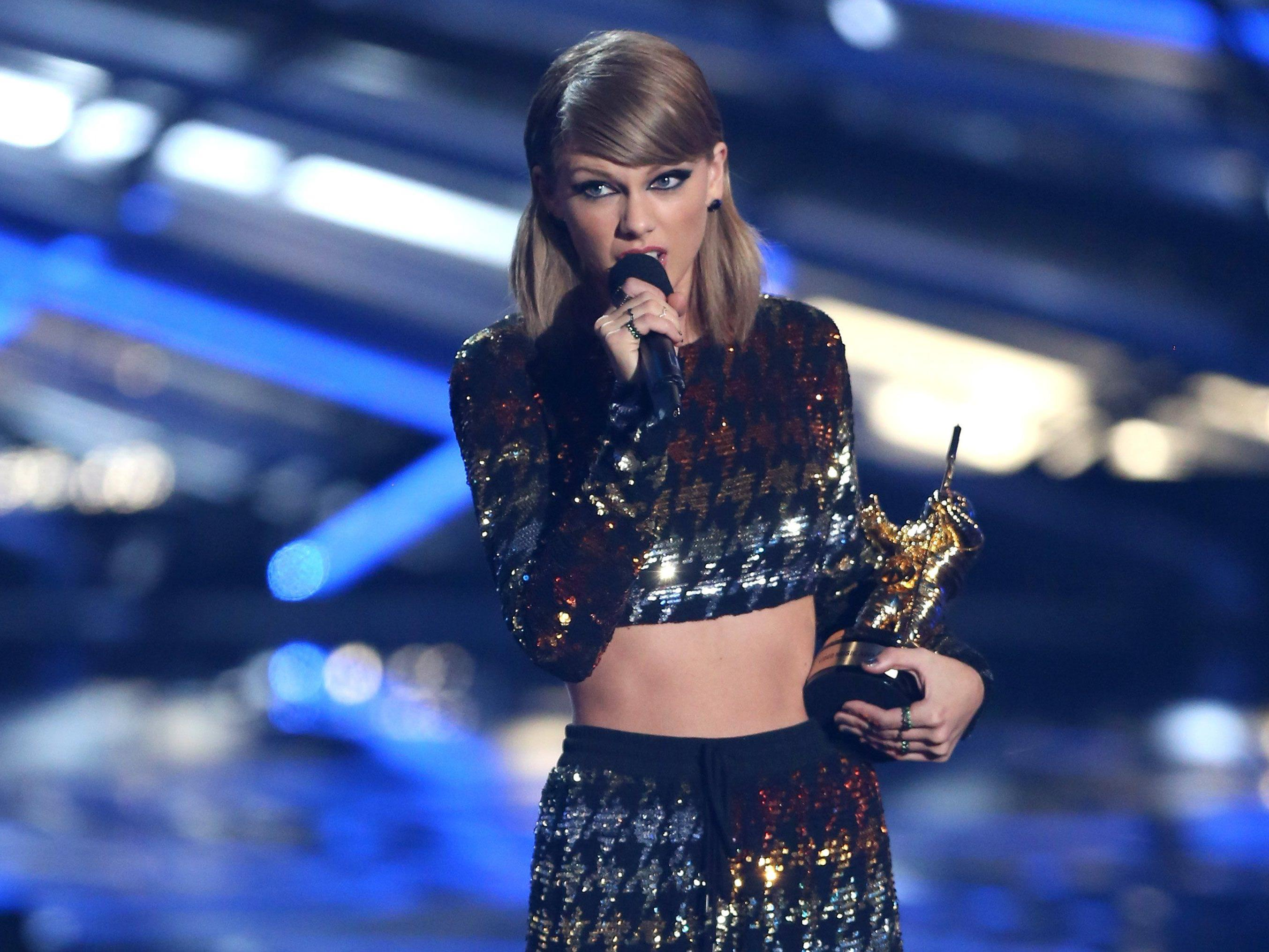 Taylor Swift räumte beim MTV Award ab.