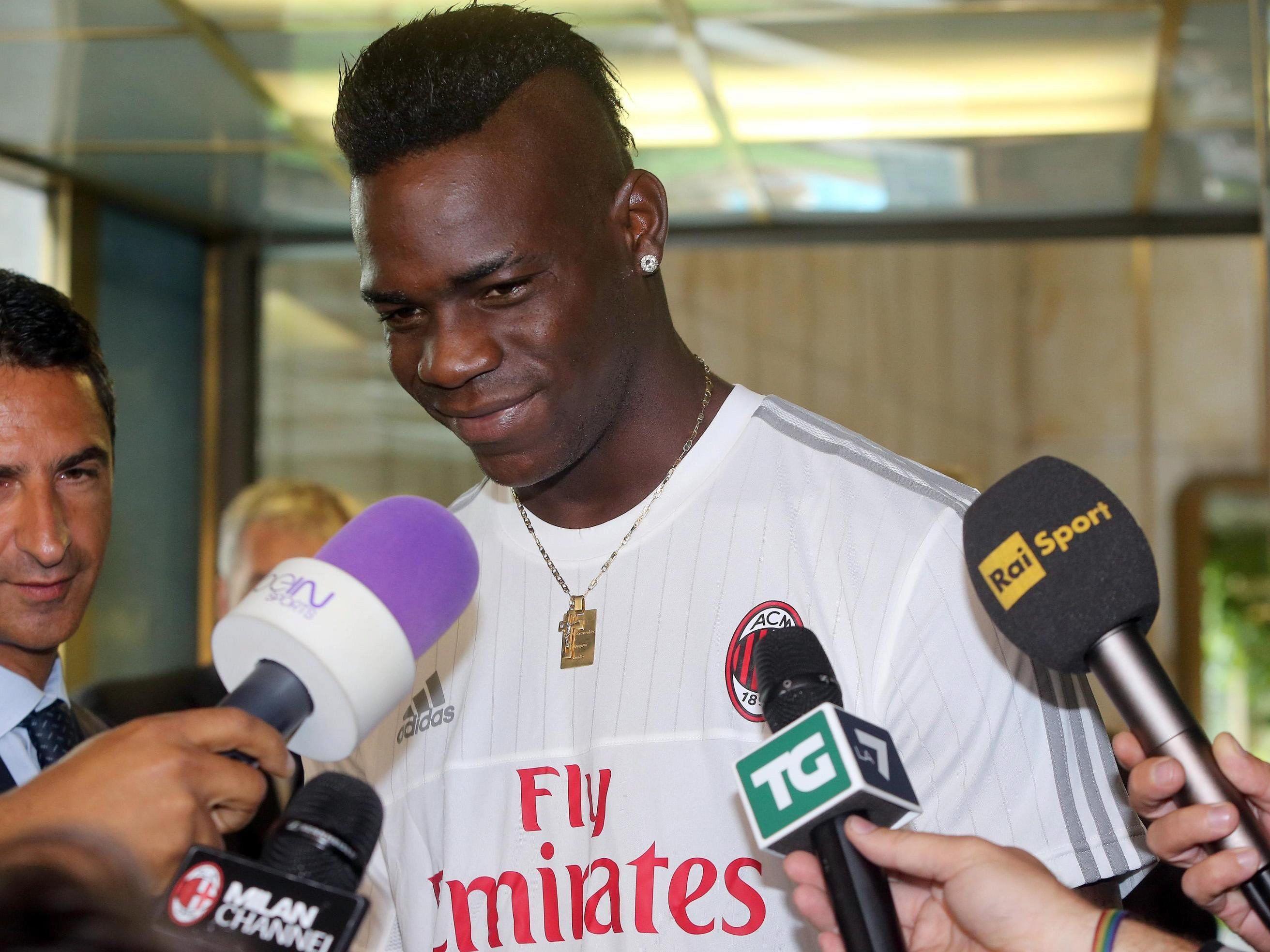 Mario Balotelli soll beim AC Milan offenbar einen Verhaltenskodex unterschreiben.