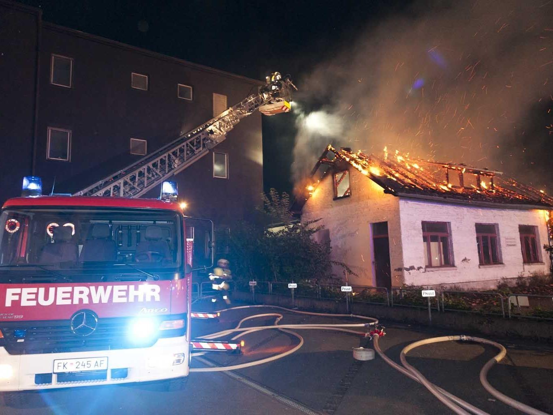 Das Gebäude wurde bei dem Brand zerstört.