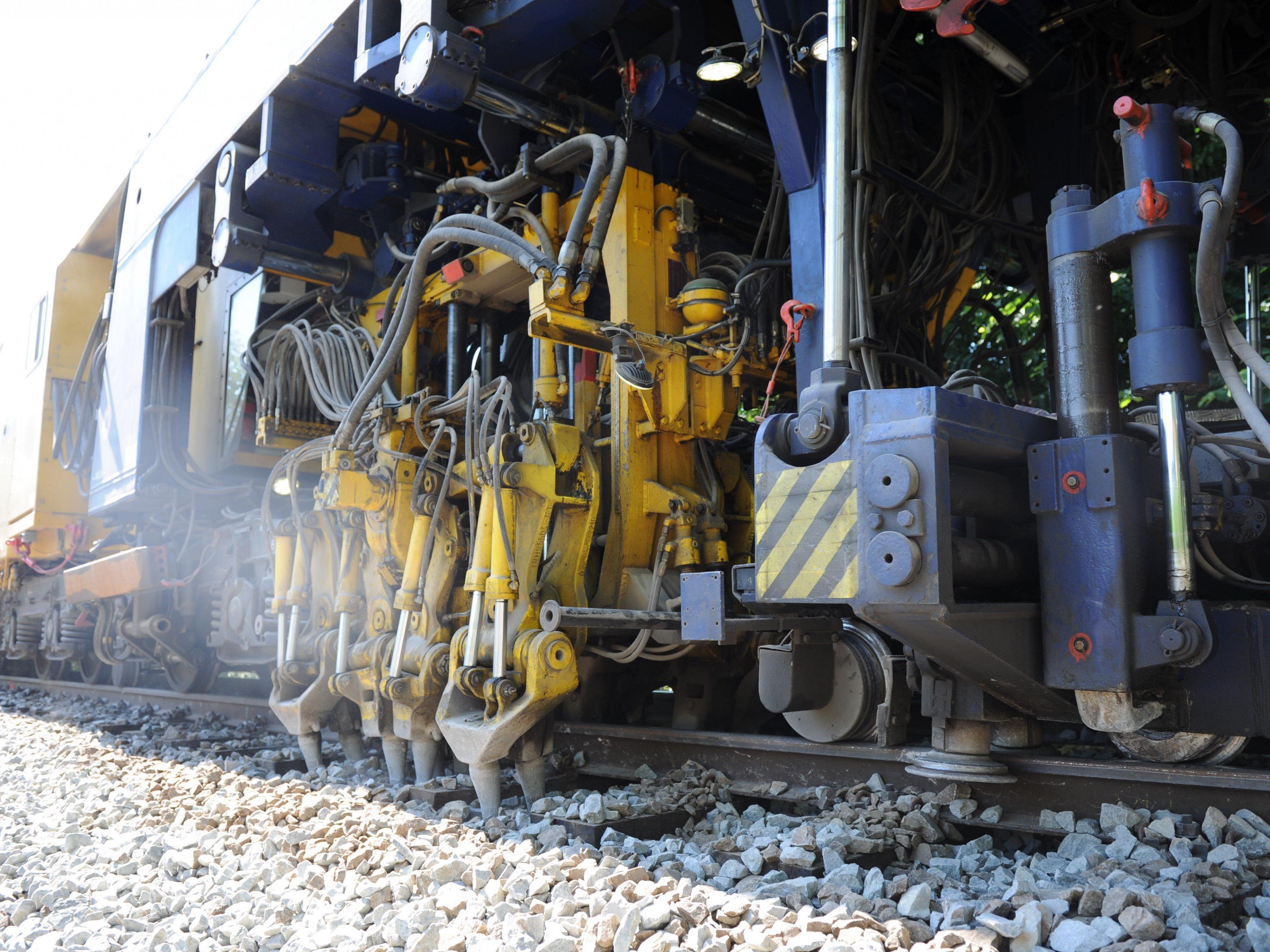 Im nördlichen Bereich des Güterterminal Wolfurt führen die ÖBB Gleisbauarbeiten durch