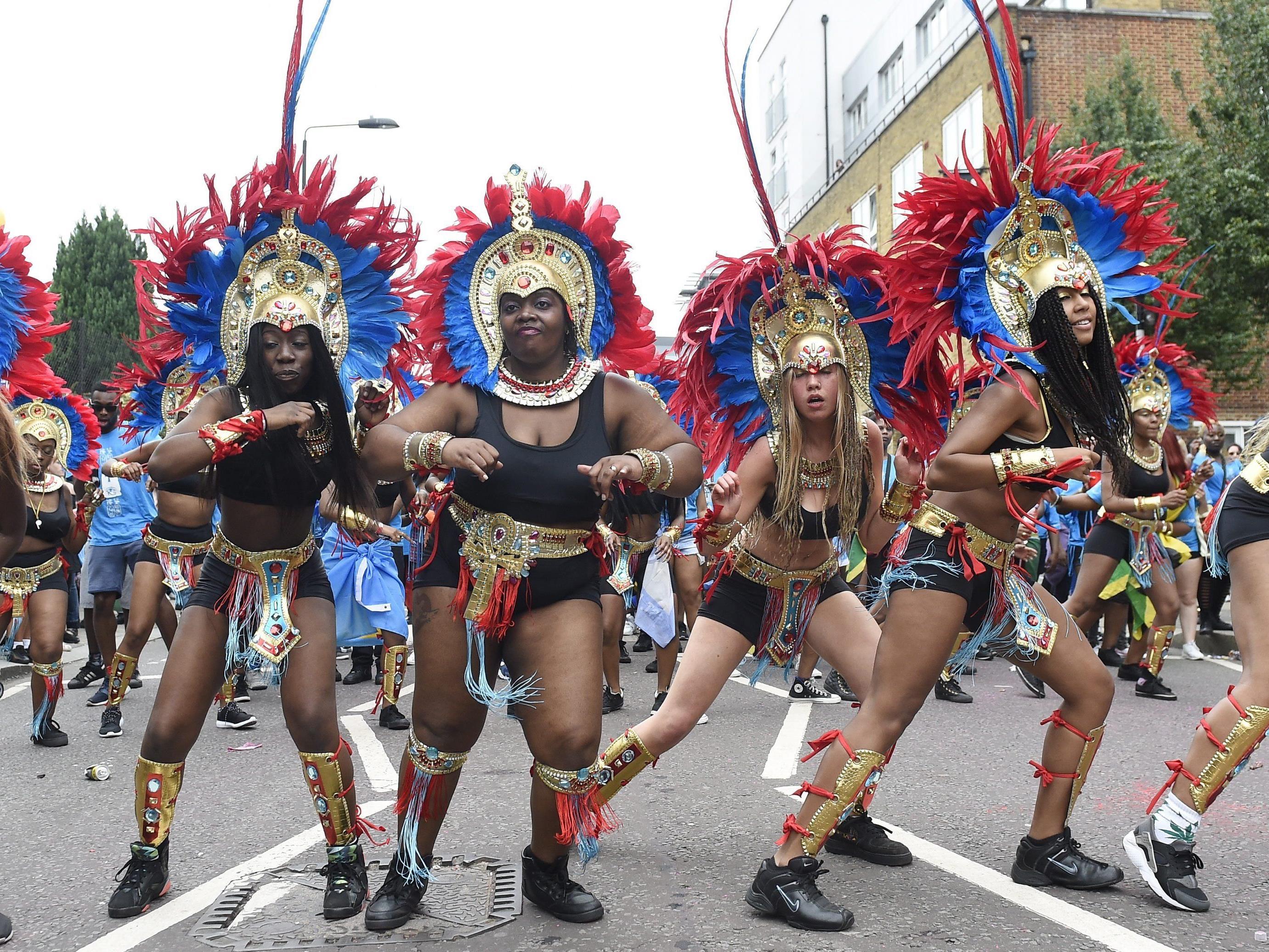 Im Londoner Stadtteil Notting HIll steigt derzeit der Karneval.