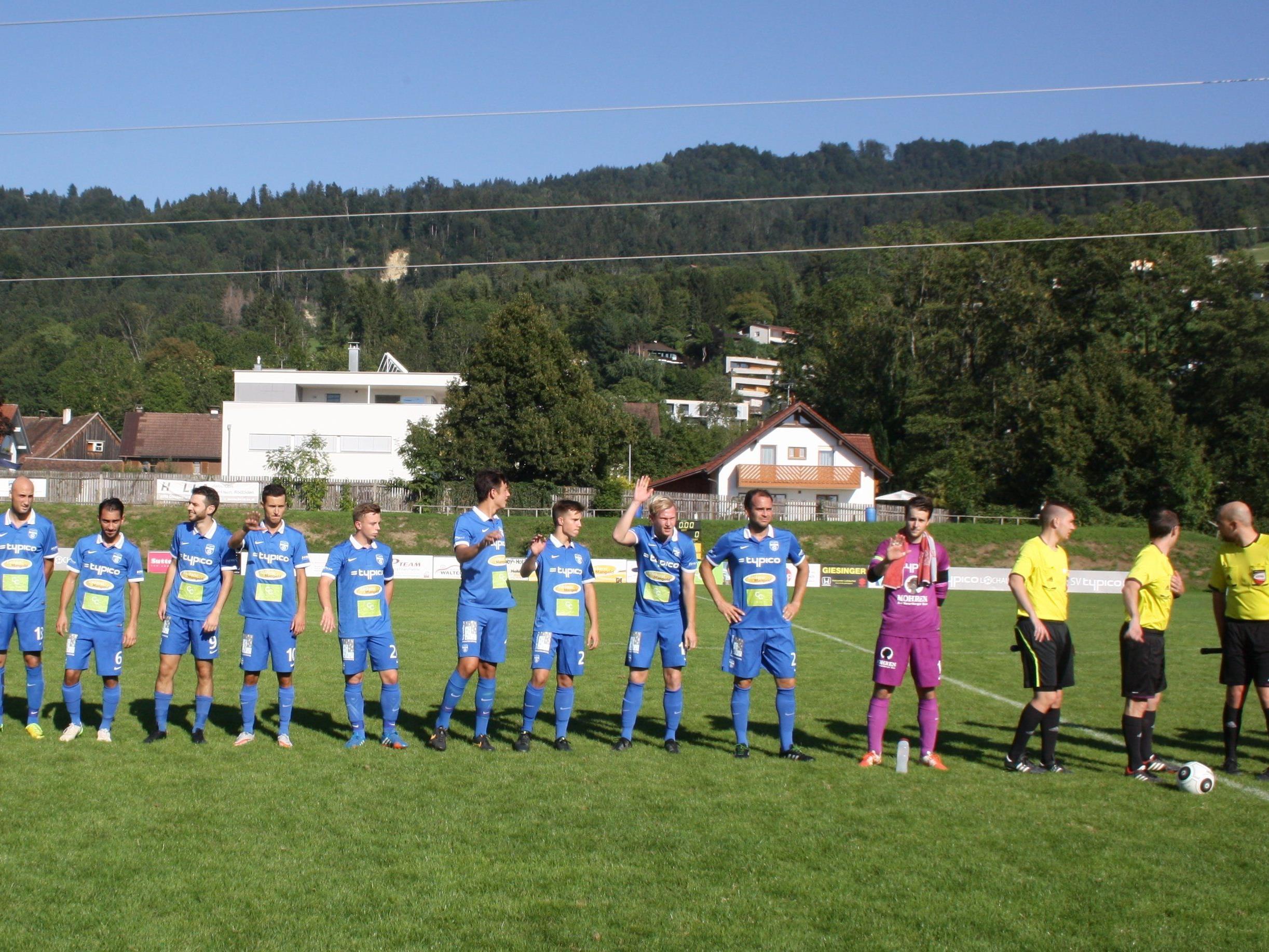 Die Kampfmannschaft des SV Typico Lochau holte gegen Koblach die ersten drei Punkte in der laufenden Meisterschaft.