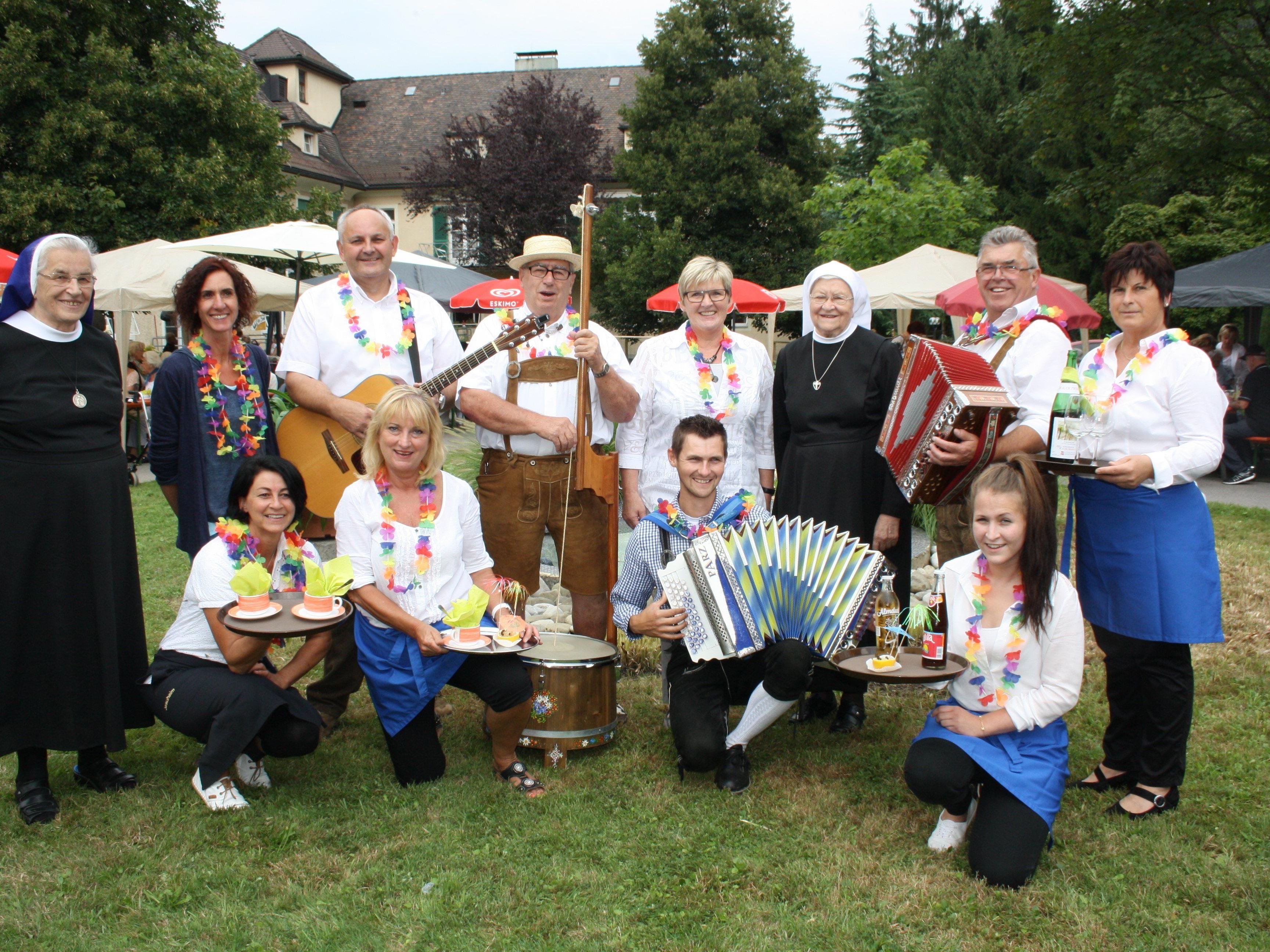 Gemeinsam mit den zahlreichen Helferinnen und Helfern des Hauses konnten sich die Musikanten und die Organisatoren über ein bestens gelungenes Sommerfest freuen.