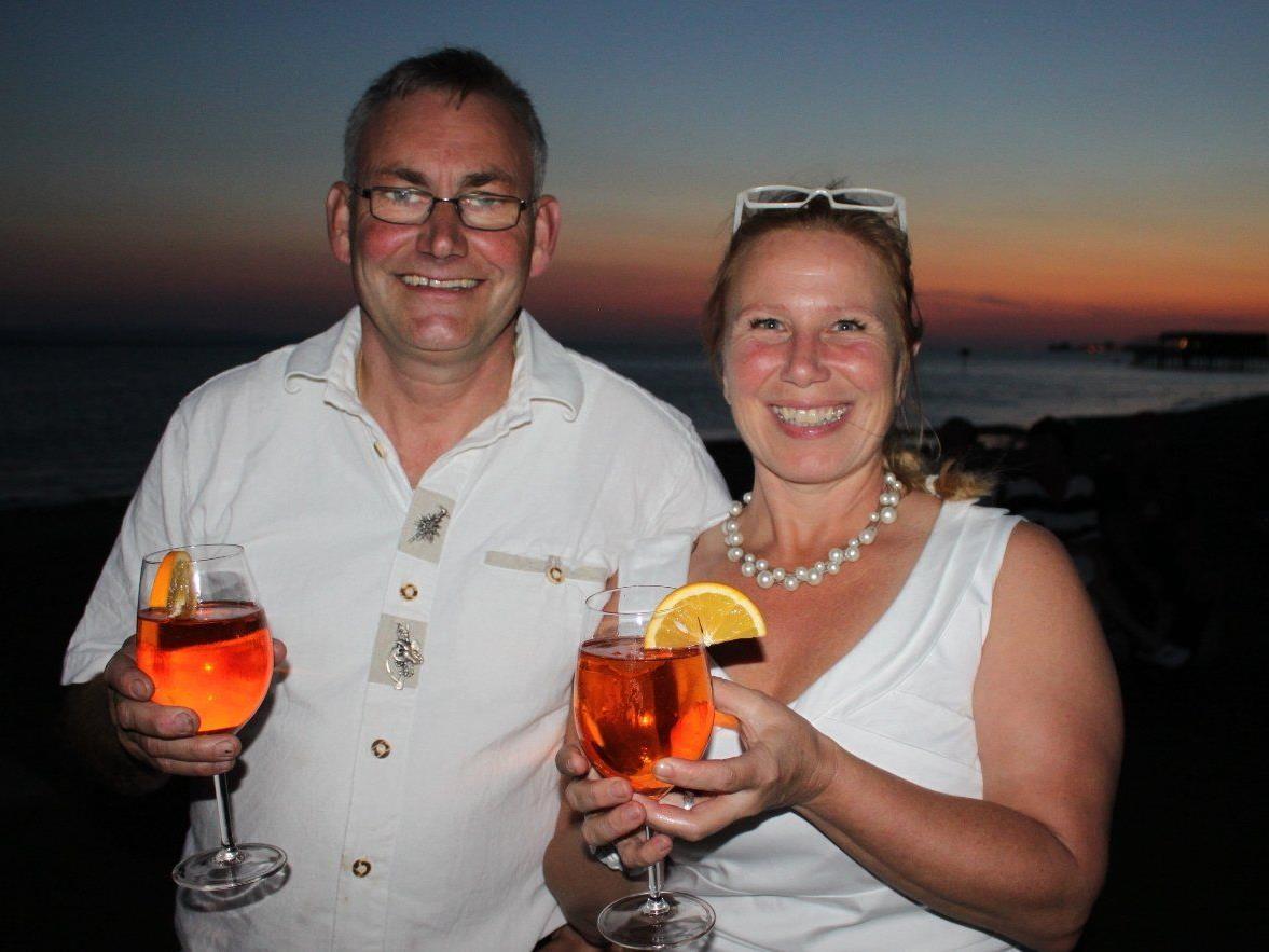 """Christine und Jürgen Hehle laden zum """"Spätsommernachtsfäschtle"""", und dies mit Musik, Kulinarium, Seegenuss und dem Feuerwerk in der Bregenzer Bucht."""