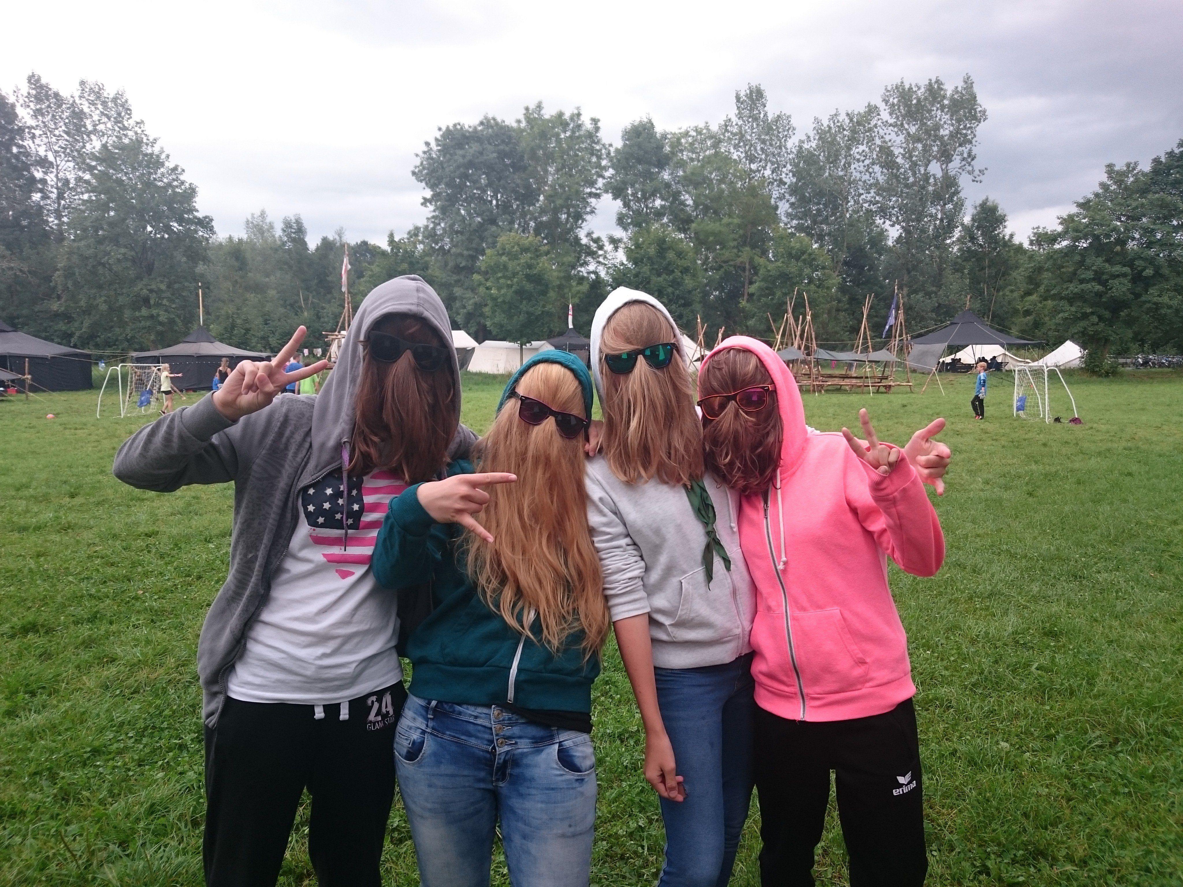 Larissa, Kathi, Martina und Nathi