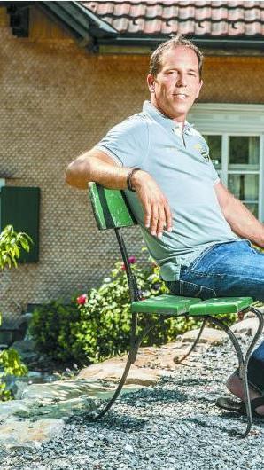 In seinem Zuhause in Bildstein kann der Unternehmer und Präsident des SC Rheindorf Altach dem Alltag entfliehen und die Idylle am Berg genießen.