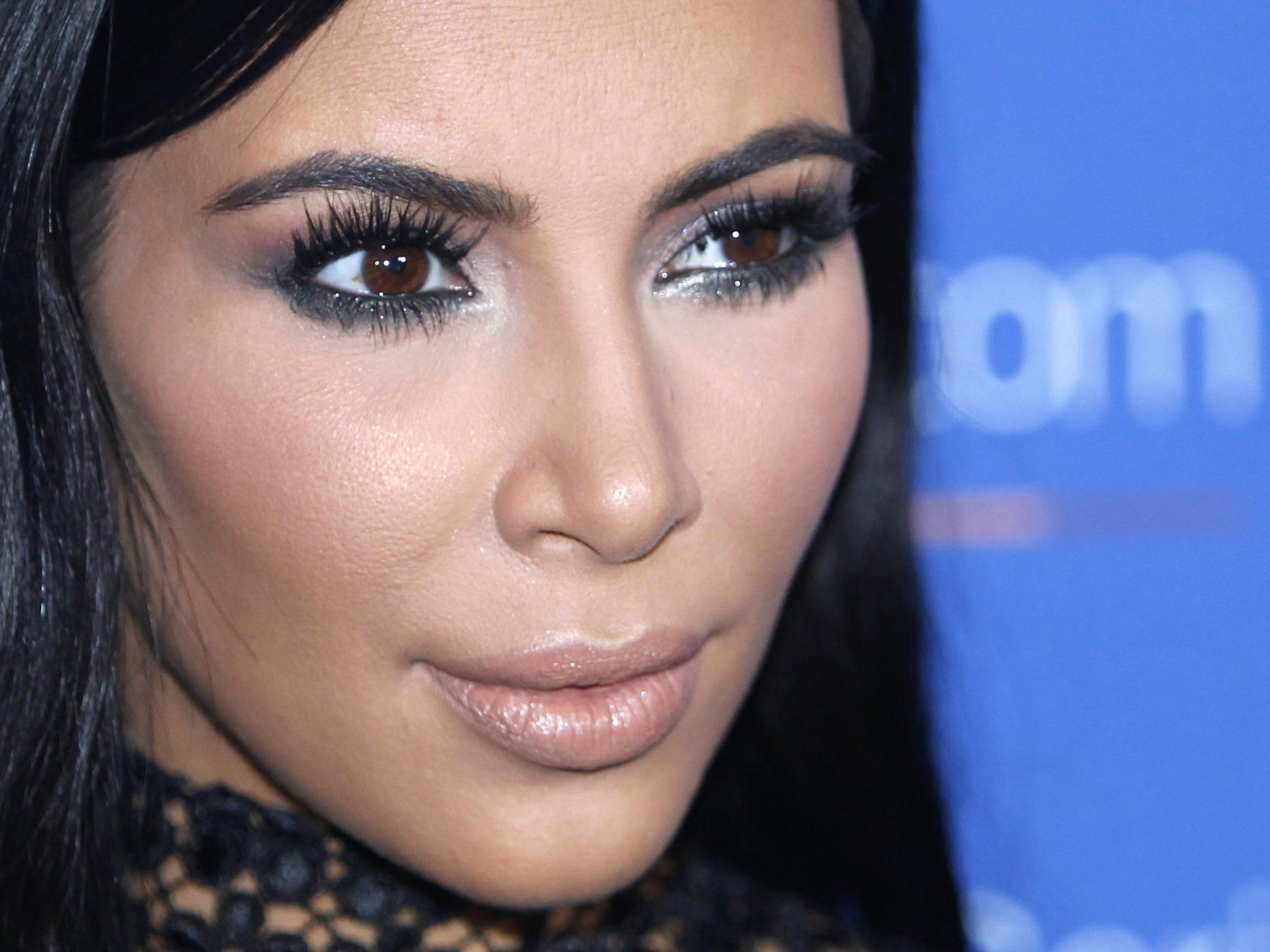 Kim Kardashians neuestes Selfie - nackt und schwanger