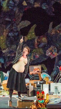 sterreich-Premiere des Musiktheaters nach Schimmelpfennigs erfolgreichem Stück
