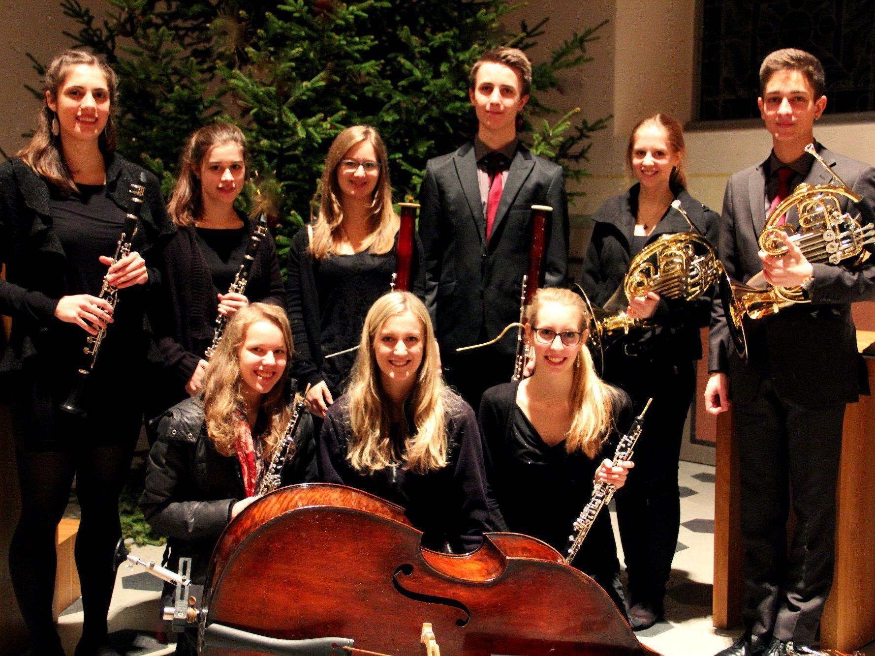 """Konzert mit dem """"Holzbläseroktett Plus"""" am 10. August um 20 Uhr auf der Schattenburg."""
