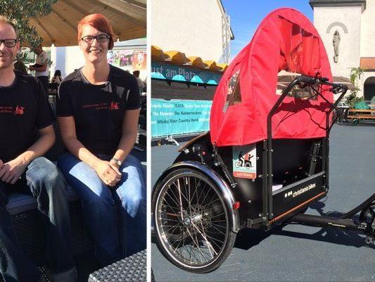 Michael König und Tanja Maier bringen alte Menschen an die frische Luft.