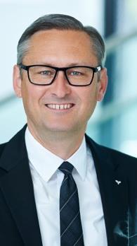 Vorstandsvorsitzender Gerhard Hamel freut sich über das große Kundenvertrauen.