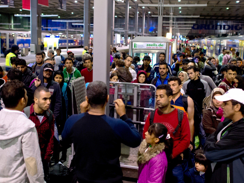 Deutschland stoppt Zugverbindungen nach Österreich.