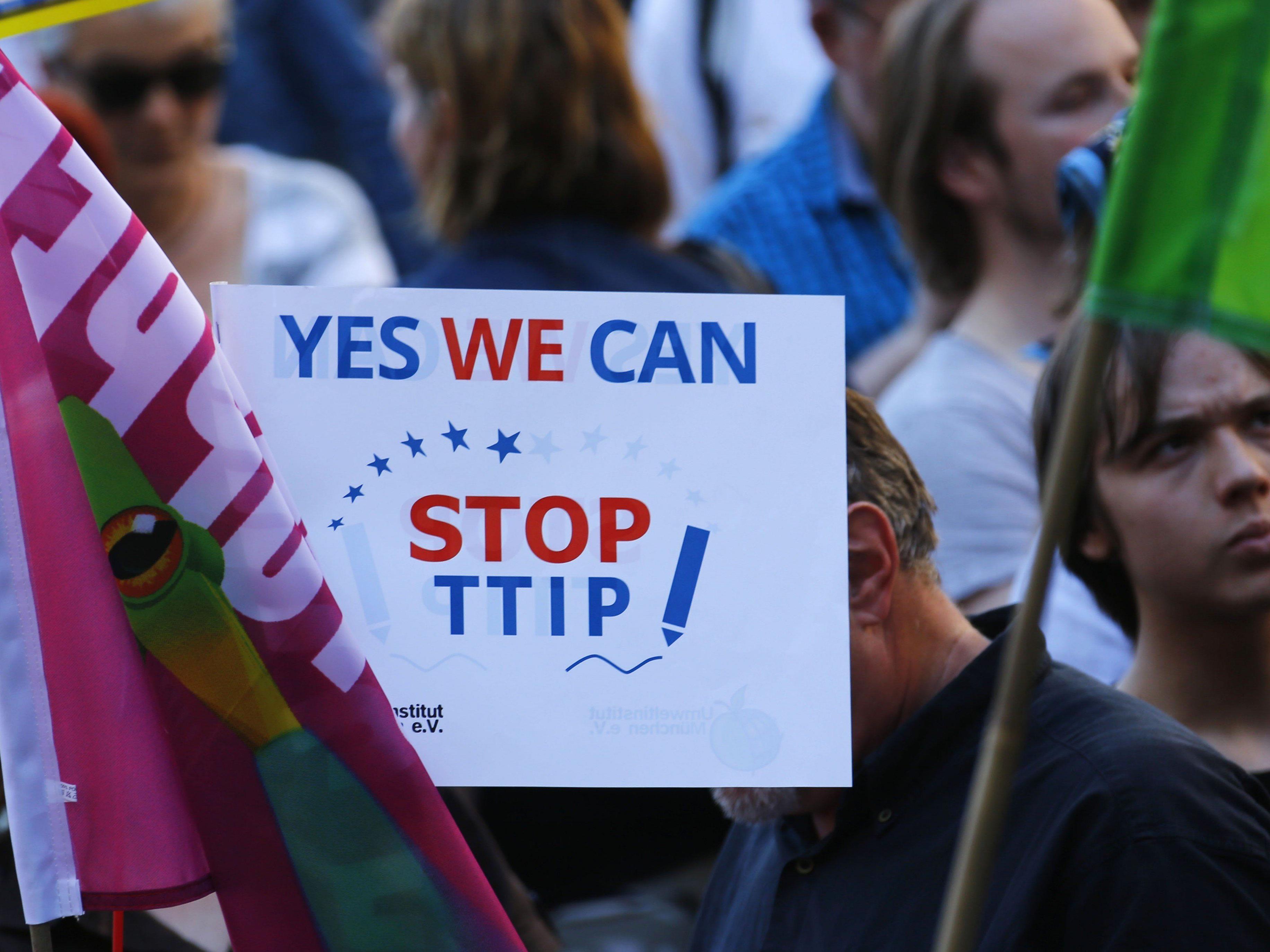 Proteste gegen TTIP beim G7-Gipfel in Deutschland.