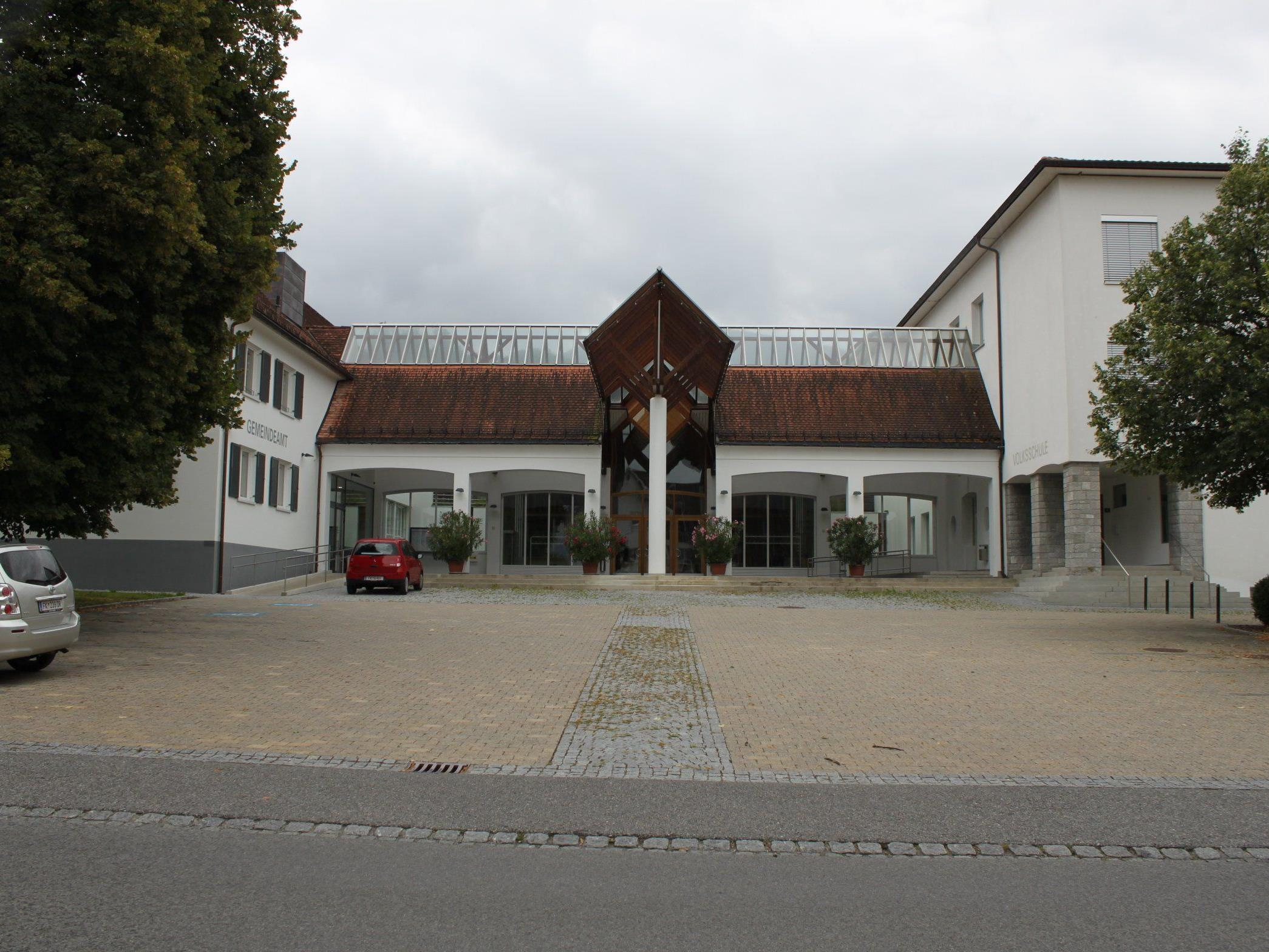 Information zur Flüchtlingssituation am Montag, den 21. September, 20 Uhr, Winzersaal in Klaus.