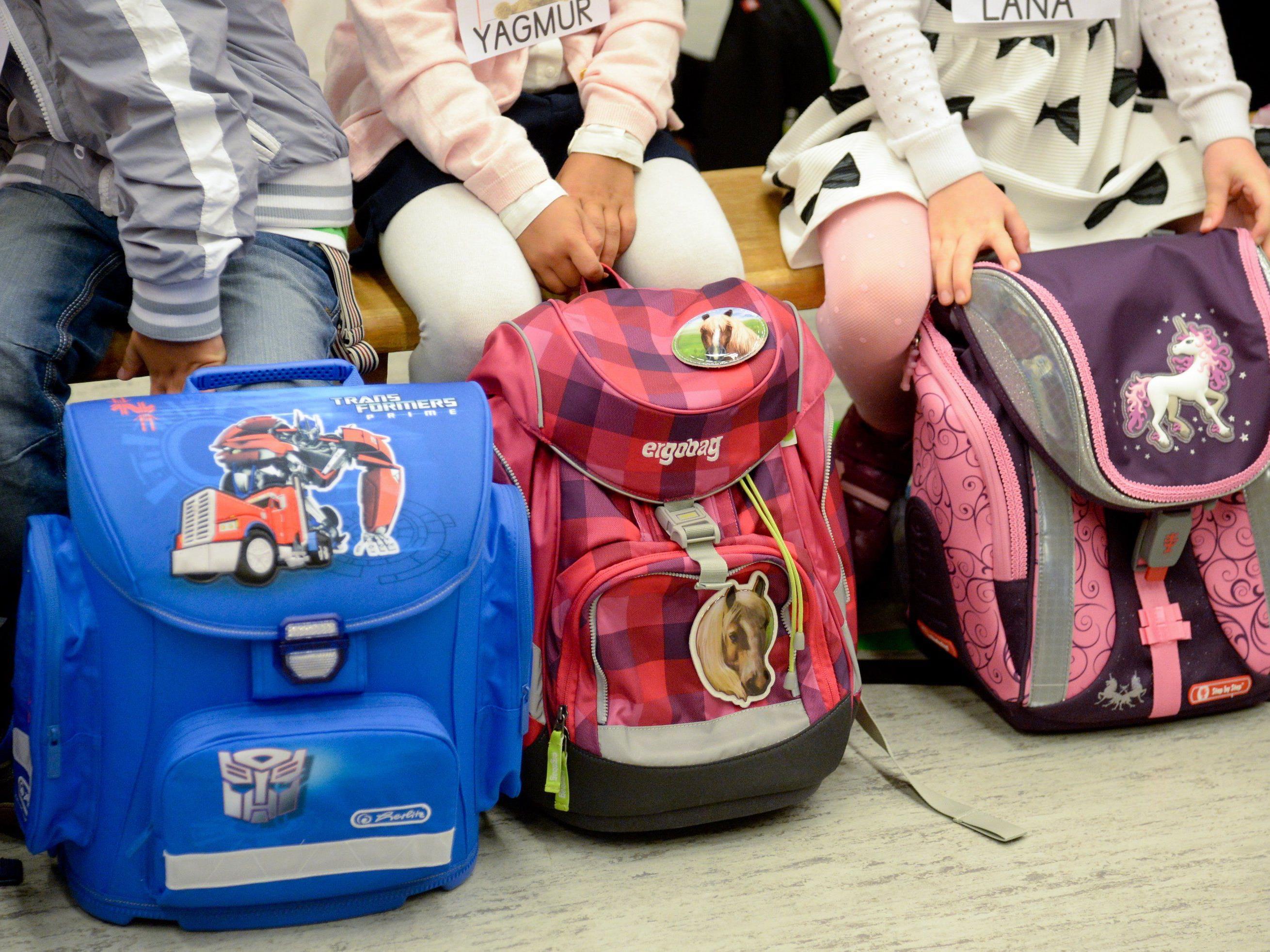 Der Schulanfang bedeutet oftmals finanzielle Schwierigkeiten.