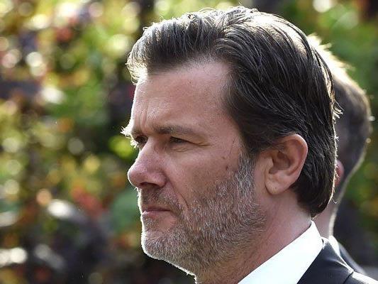 John Jürgens kritisierte in einem Interview seine Halbschwester.