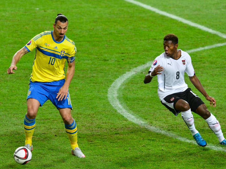 Superstar im Duell: Ibrahimovic gegen Alaba.