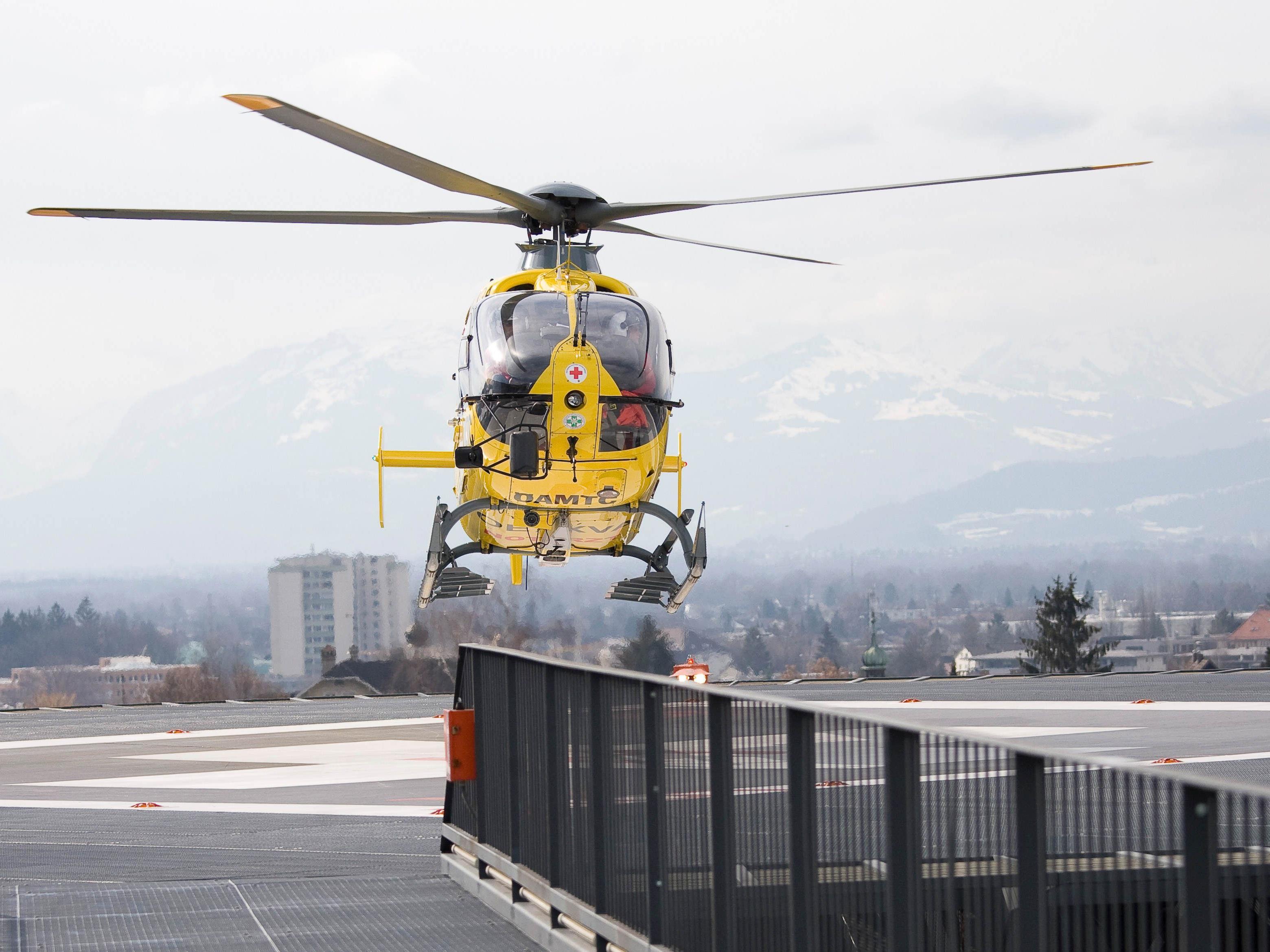 Verletzter nach Arbeitsunfall ins Lkh geflogen.