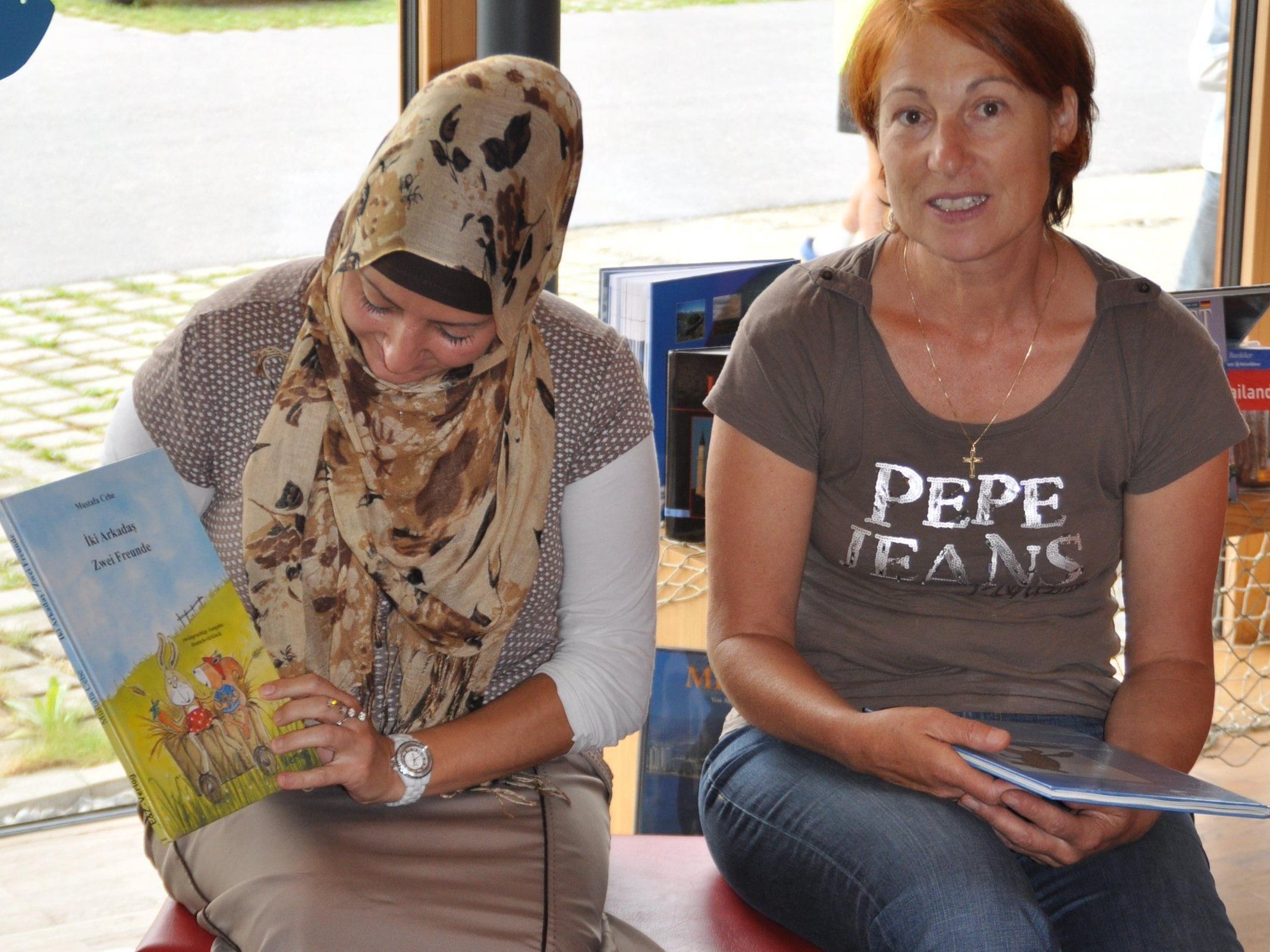 Multikulturelles Lesen in der Bücherei Ludesch