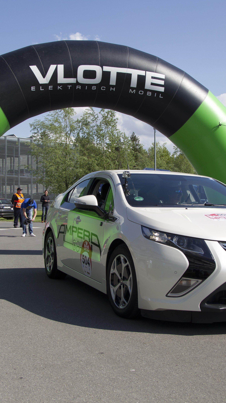 Elektro- und Hybridautos dürften künftig viel stärker auf dem Automarkt angepriesen werden.