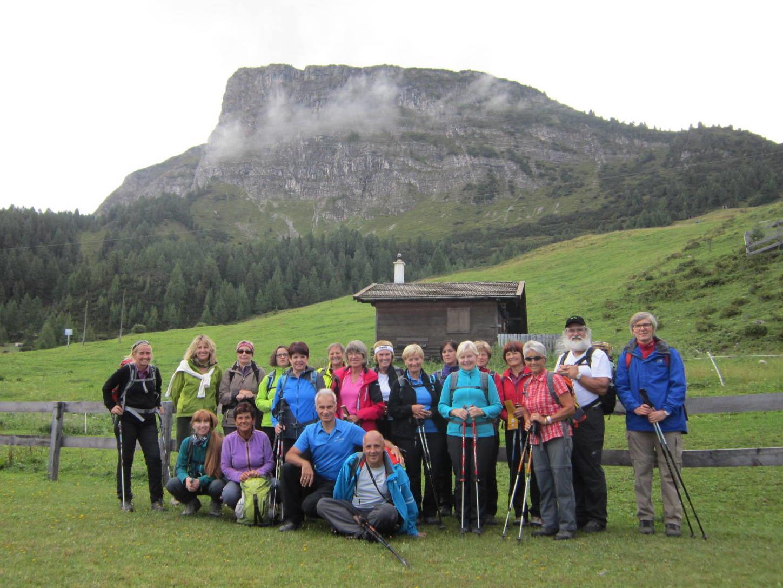 Bergwanderer vor der Gerlossteinwand 2166m.