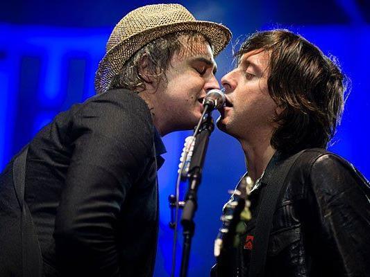 Pete Doherty (l.) und Carl Barat von The Libertines