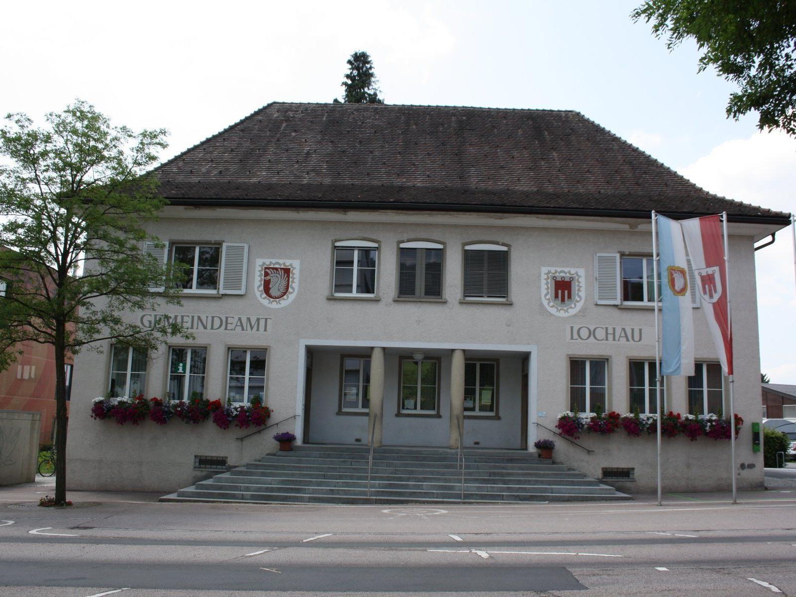 """Das in die Jahre gekommene Lochauer Gemeindeamt soll durch ein nachhaltiges und funktionelles """"Gemeinschaftshaus der Zukunft"""" mit großem Mehrwert auch für künftige Generationen ersetzt werden."""