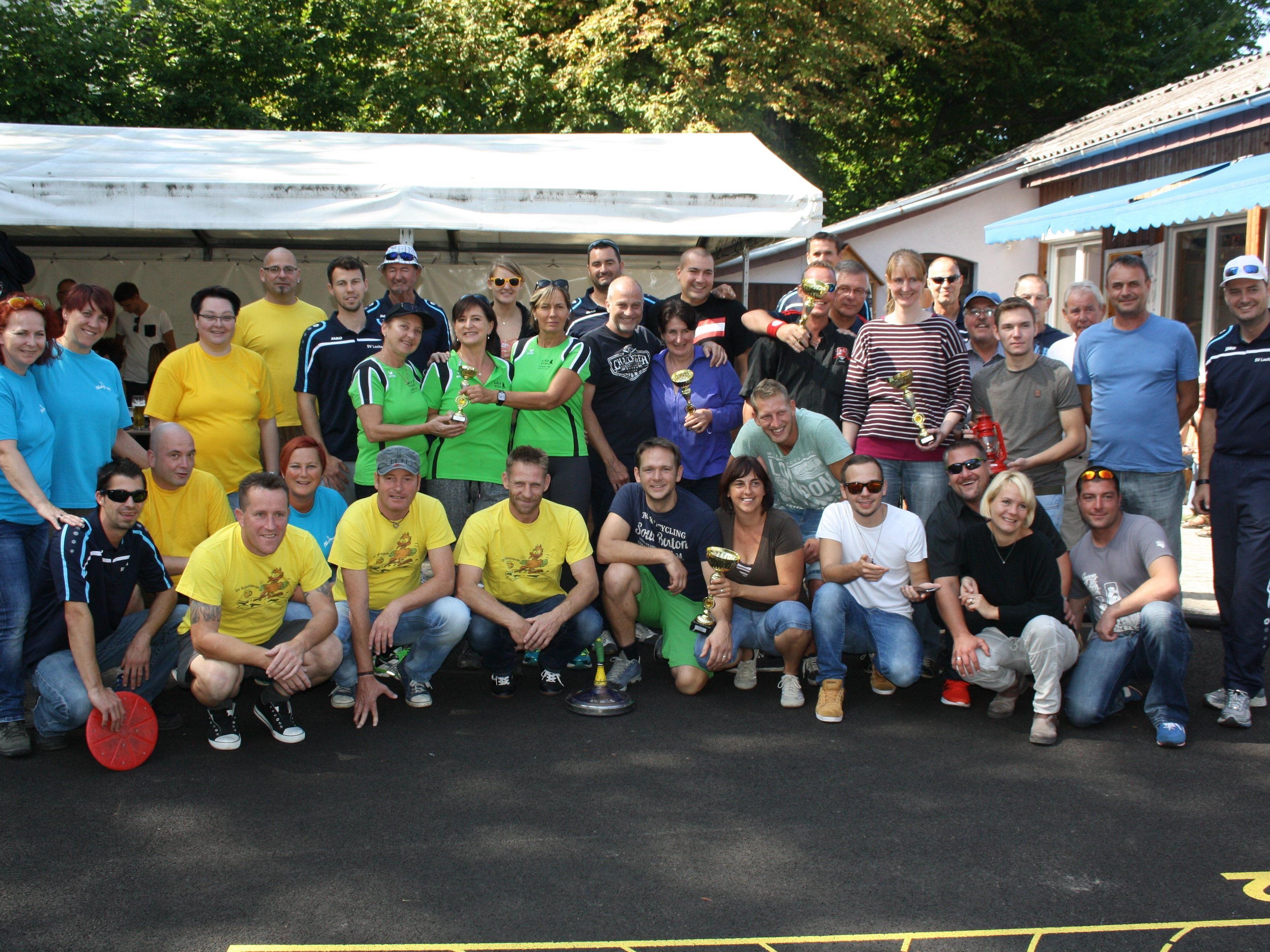 Das Stocksport-Hobbyturnier mit 20 Ortsvereine- und Firmenmannschaften auf der neu sanierten Stocksportanlage am Hoferfeld war ein toller Erfolg.