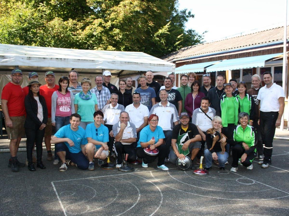 Vereins- und Firmenmannschaften sind zum 17. Lochauer Hobby-Stocksport-Turnier auf der neuen Stocksportanlage am Hoferfeld herzlich eingeladen.