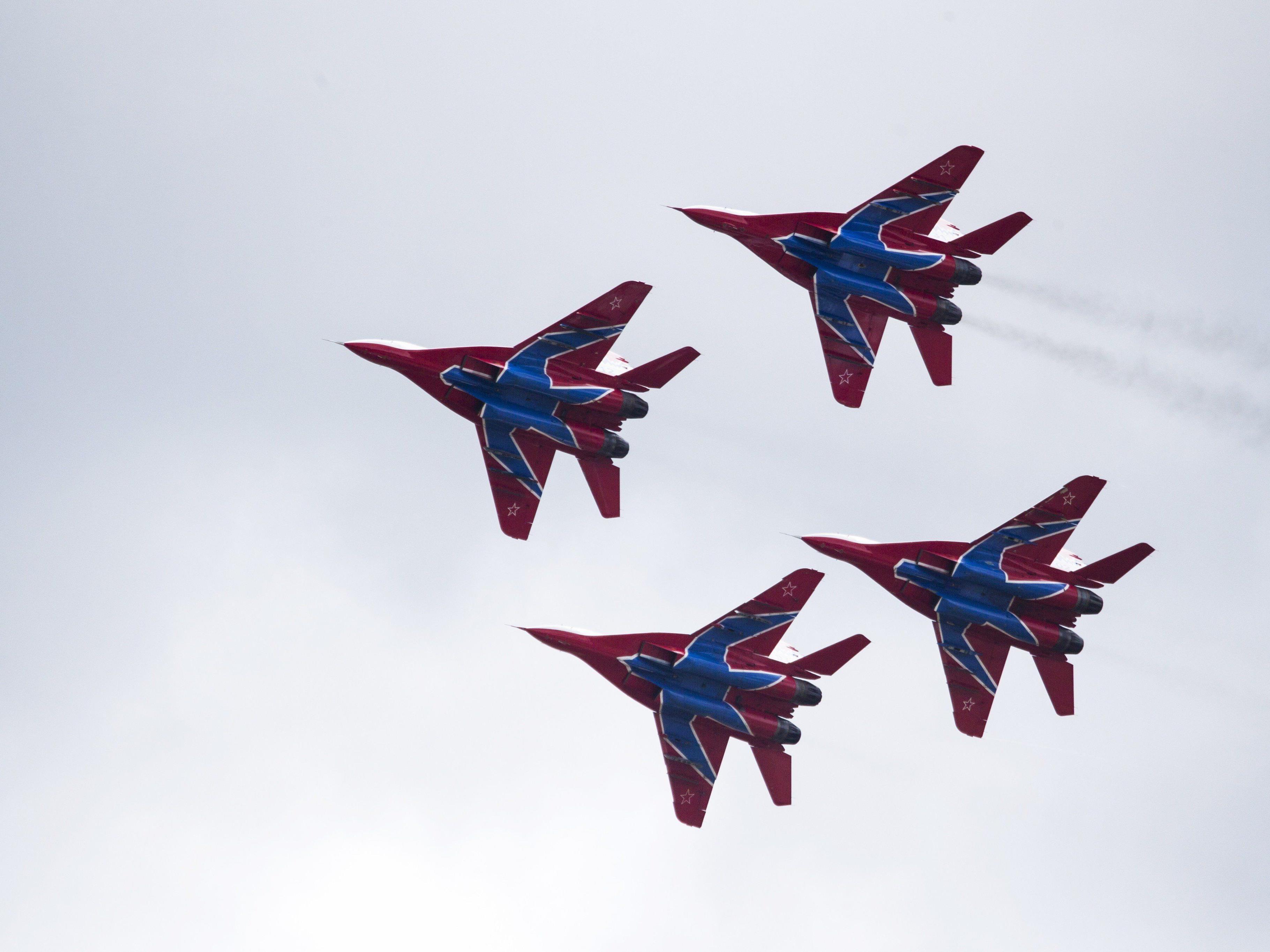 Moskau hat mit den Vorbereitungen einer militärischen Intervention in Syrien angeblich bereits begonnen.