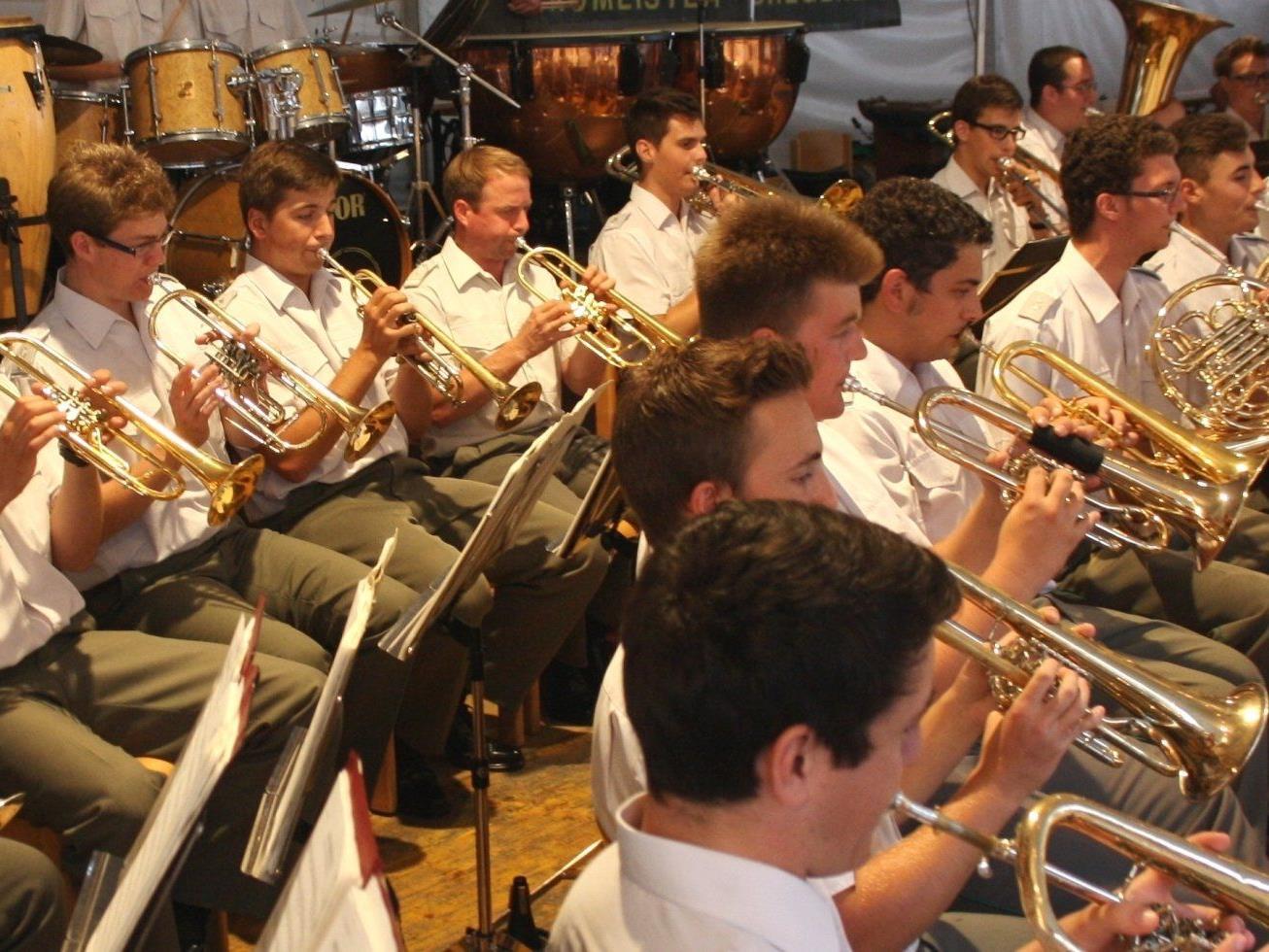 Die Militärmusik Vorarlberg lädt zum eventuell letzten Konzert der Militärmusikkapelle in den Ramschwagsaal nach Nenzing.