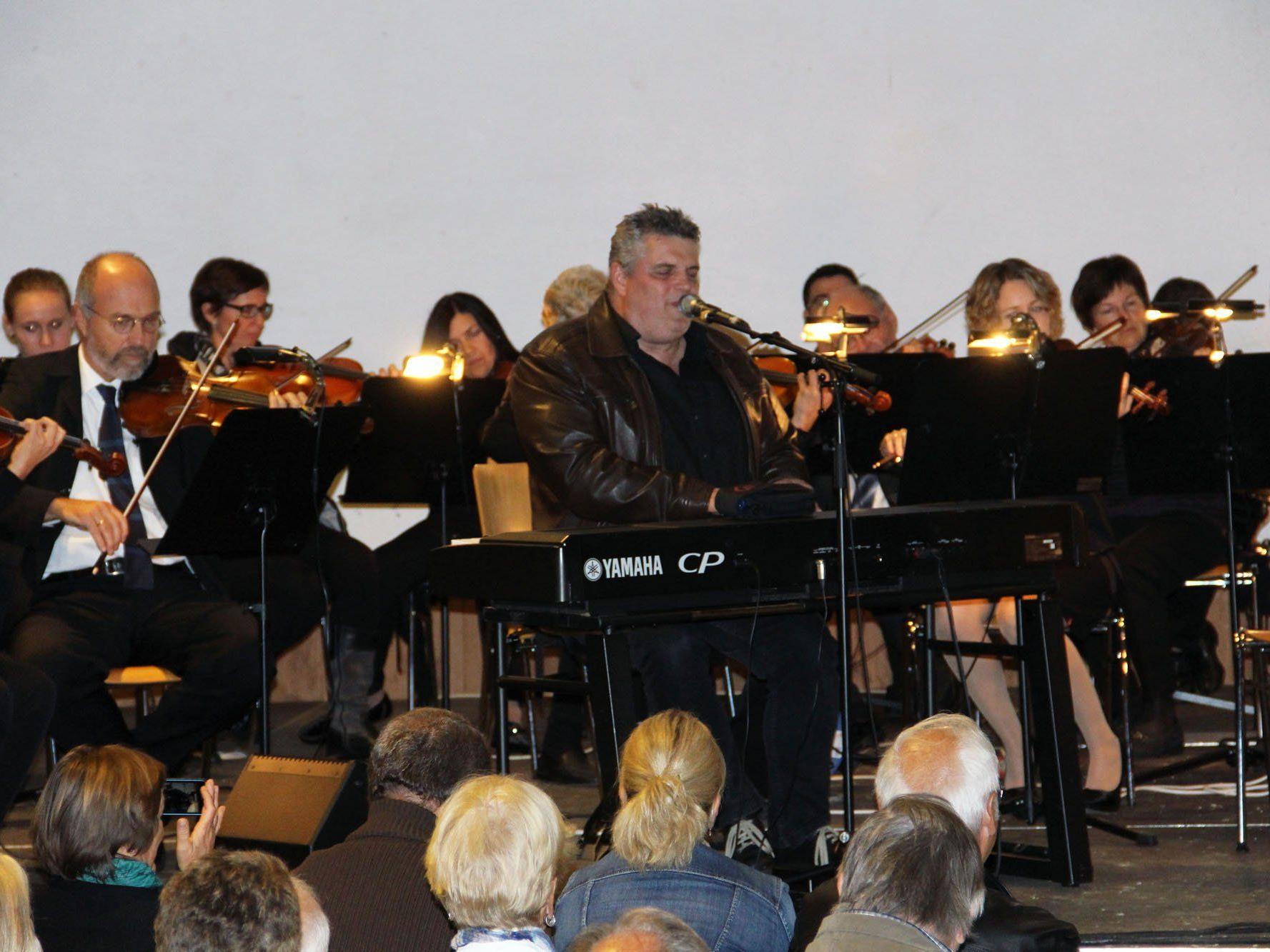 George Nussbaumer gab mit dem Stadtorchester Feldkirch auch eigene Lieder zum Besten.