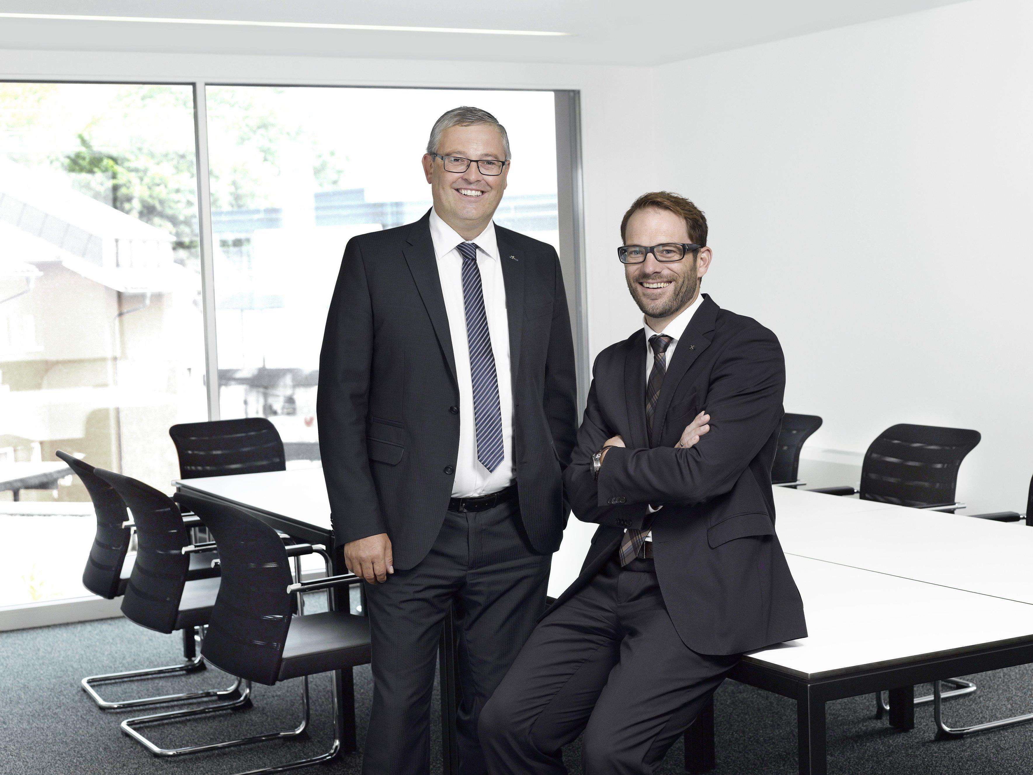 Die Raiffeisenbanken Altach und Götzis sind Geschichte – Andreas Spiegel und Klemens Heinzle sind die Vorstandsdirektoren der neuen Raiffeisenbank amKumma.