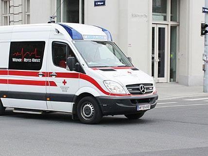 Der schwer verletzte Mann musste ins Krankenhaus gebracht werden.