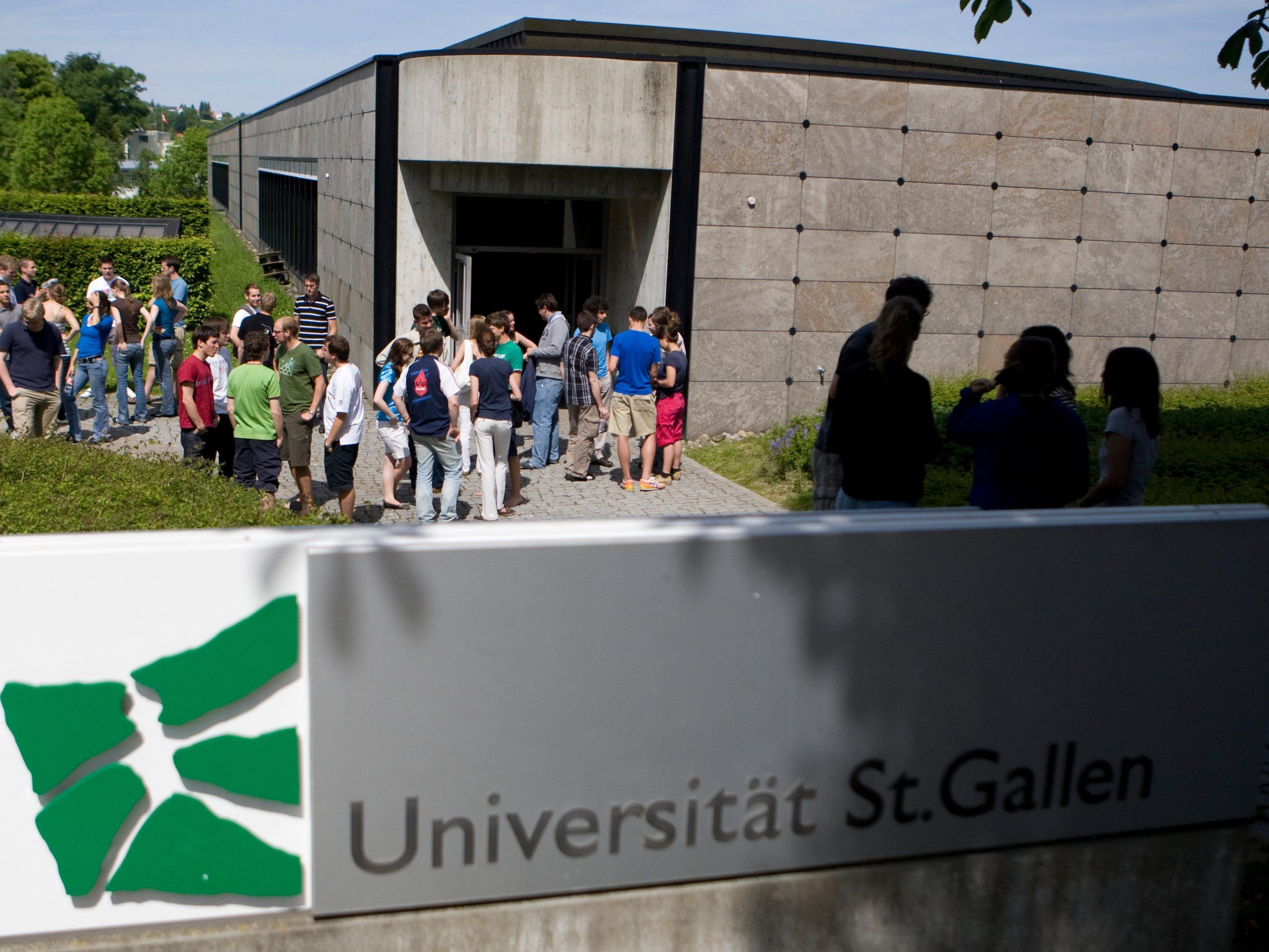 Eine Präsentation mit Stripperin war der Uni St. Gallen zu freizügig.