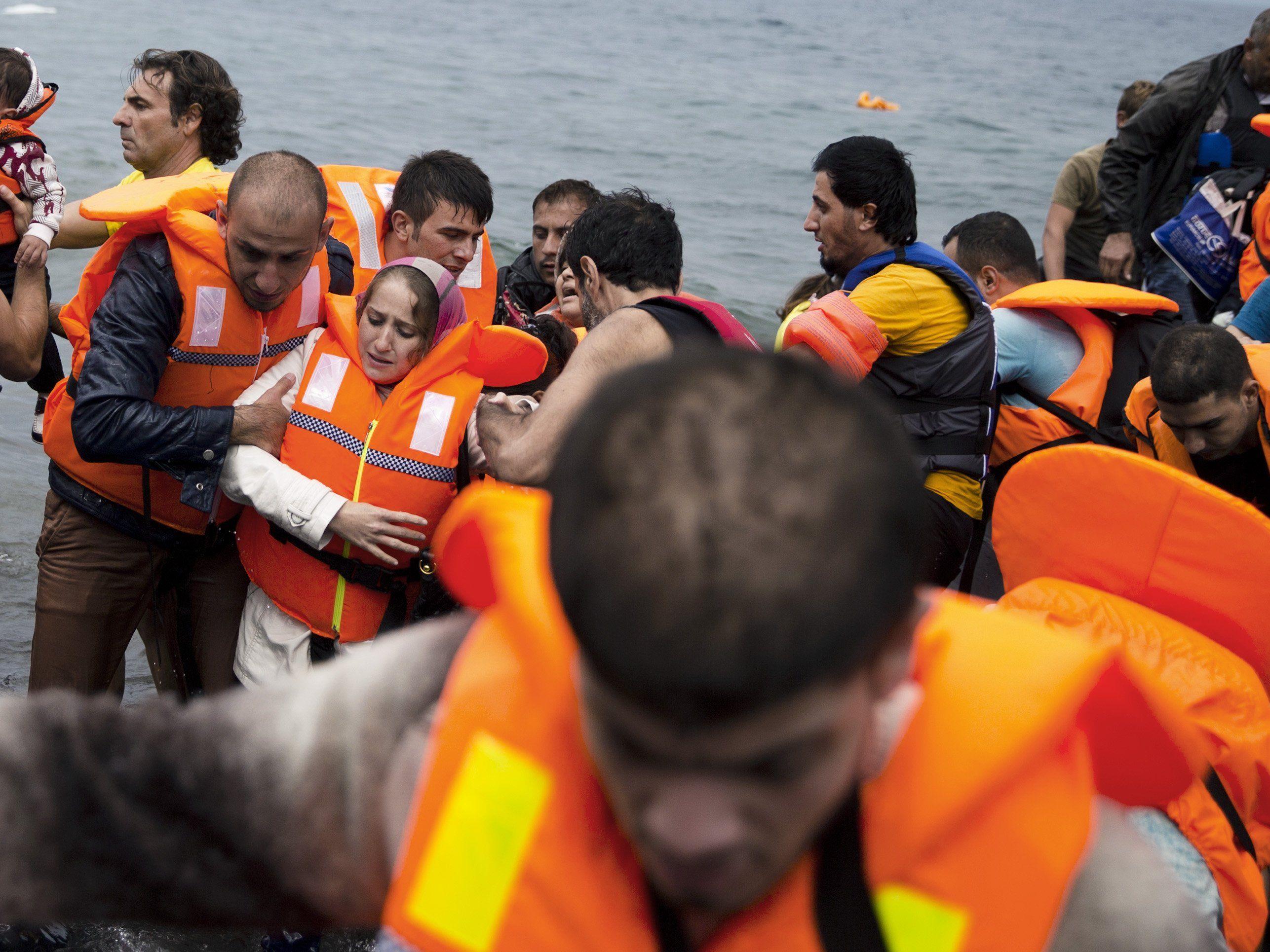 Harte Fronten vor EU-Krisentreffen zu Flüchtlingen.