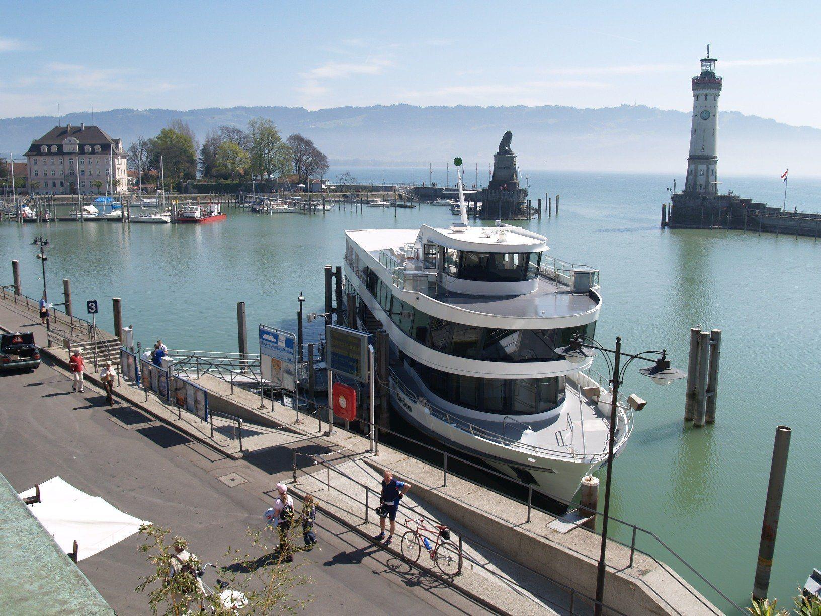 Bodenseeschiff mit Laser bestrahlt - die Lindauer Polizei ermittelt. (Themenbild)