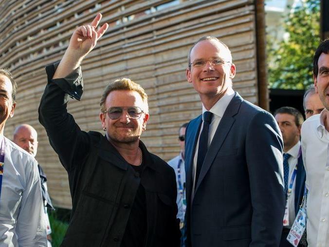 Bono besuchte die EXPO in Mailand.