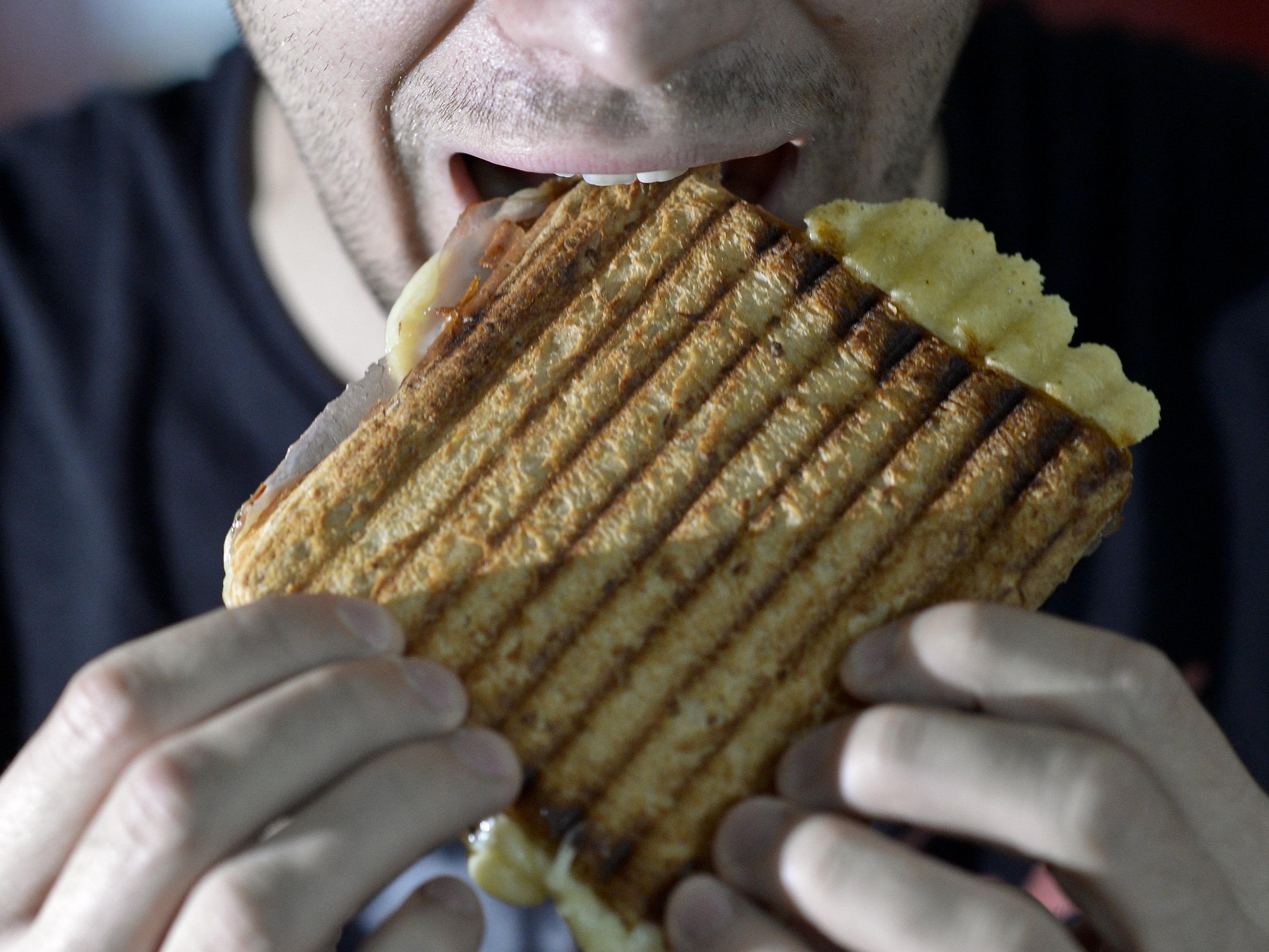 Ernährungsmythen: Dass Essen am Abend generell dick macht, stimme so nicht