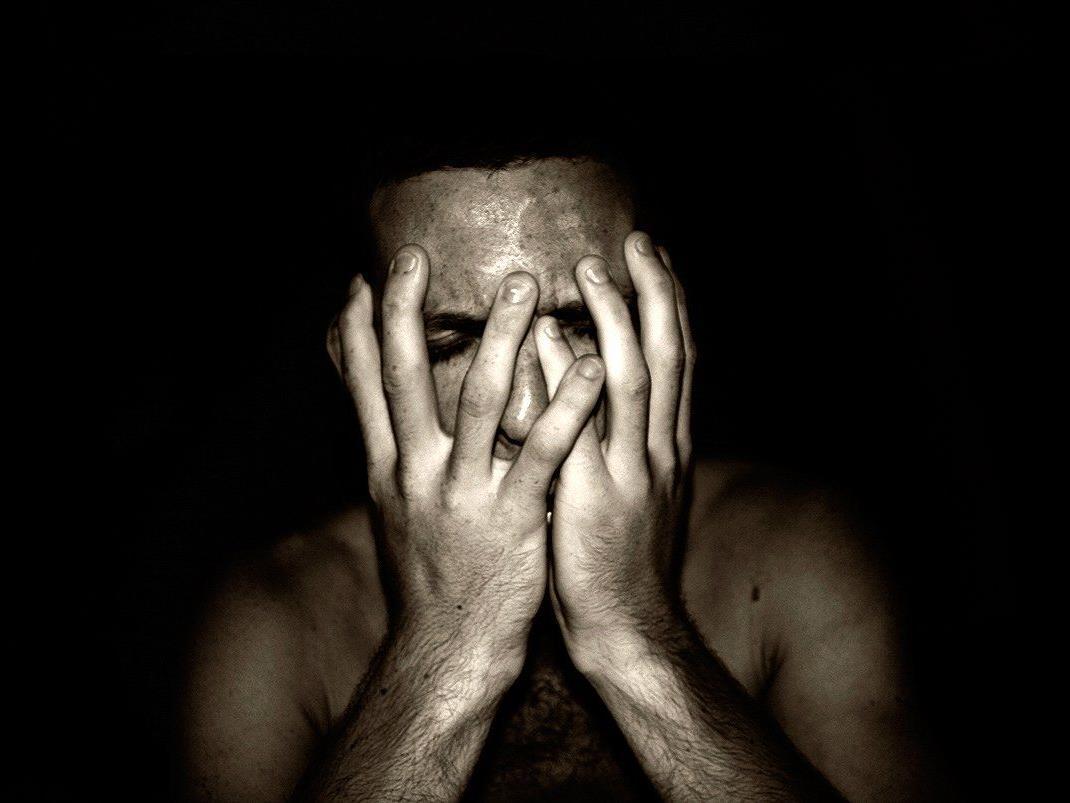 Migräne: Mediziner gehen davon aus, dass die Veranlagung weitgehend erblich bedingt ist.