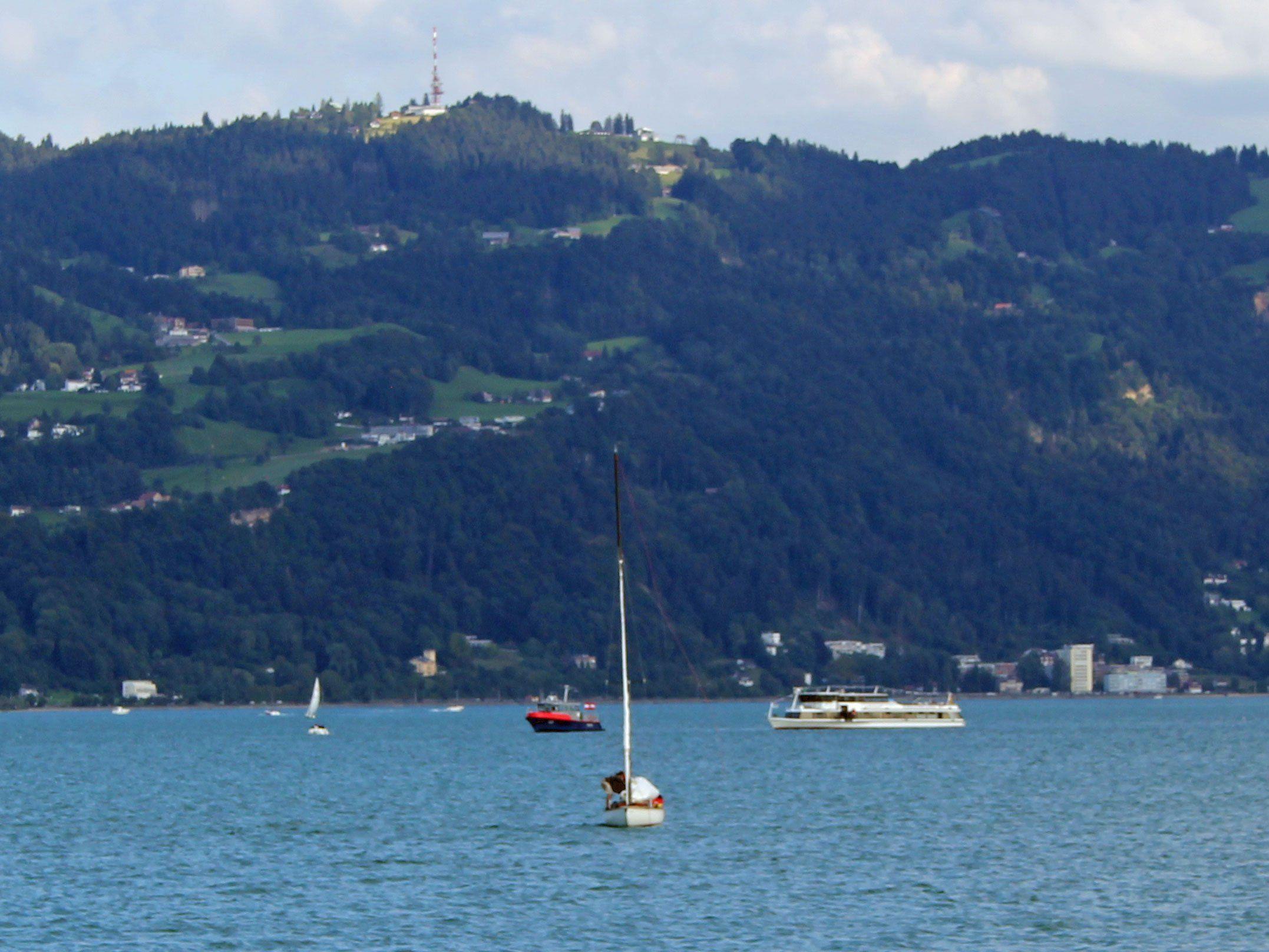 Schiff auf Bodensee bei Lindau leckgeschlagen.