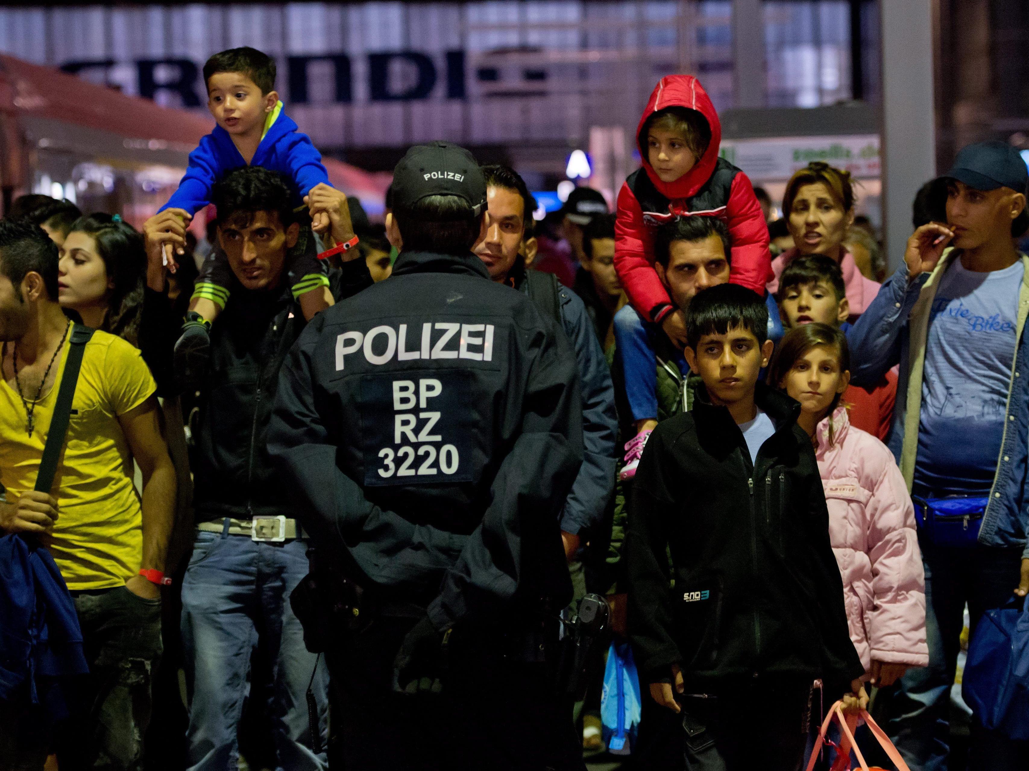 Dauer der deutschen Ausnahmeregelung für Flüchtlinge aus Ungarn offen