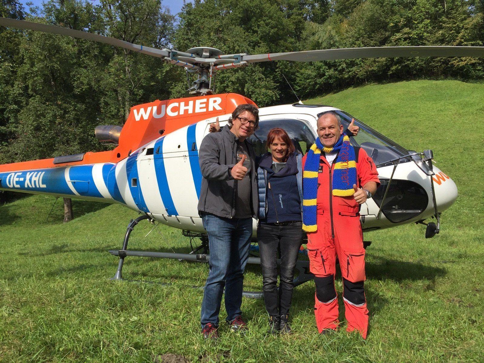 Dieter Heidegger und Barbara Öhe-Kirchner mit Stefan Ganahl nach dem erfolgreichen Schalzug.