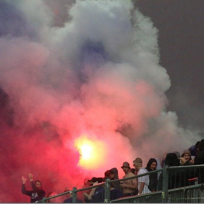 Dunkle Rauchwolke geisterte über dem Reichshofstadion