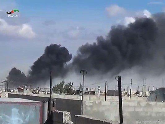 Russische Luftwaffe bombardiert Ziele in Syrien